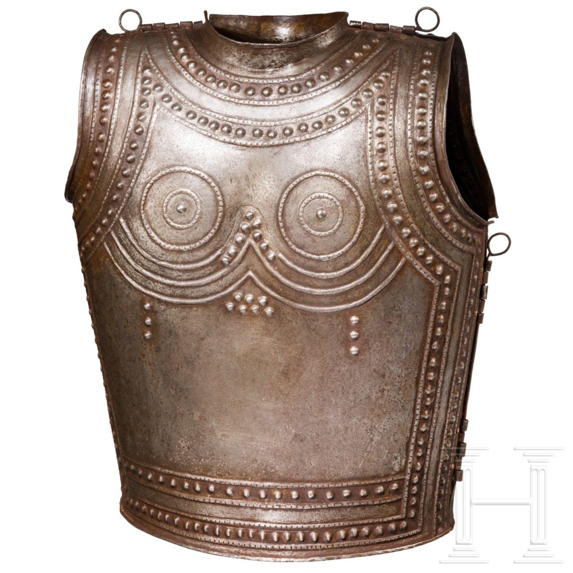 Eiserner Brustpanzer nach dem keltischen Vorbild aus Marmesse, Sammleranfertigung im Stil des 9./8.