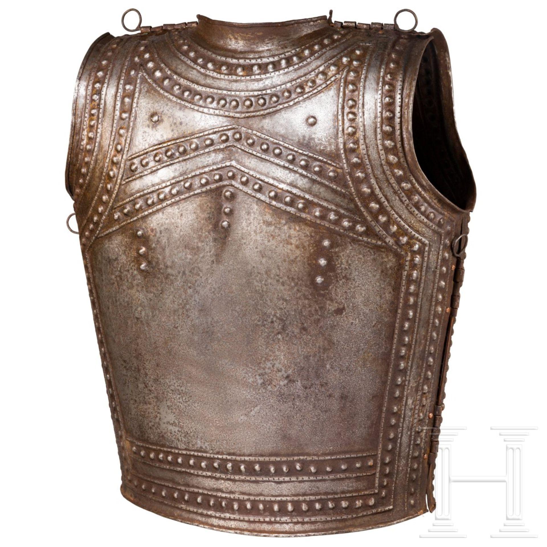 Eiserner Brustpanzer nach dem keltischen Vorbild aus Marmesse, Sammleranfertigung im Stil des 9./8. - Image 2 of 2