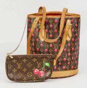 Louis Vuitton Bucket Bag Monogram Canvas plus Kirschenrapport, mit einem entsprechendem Etui an
