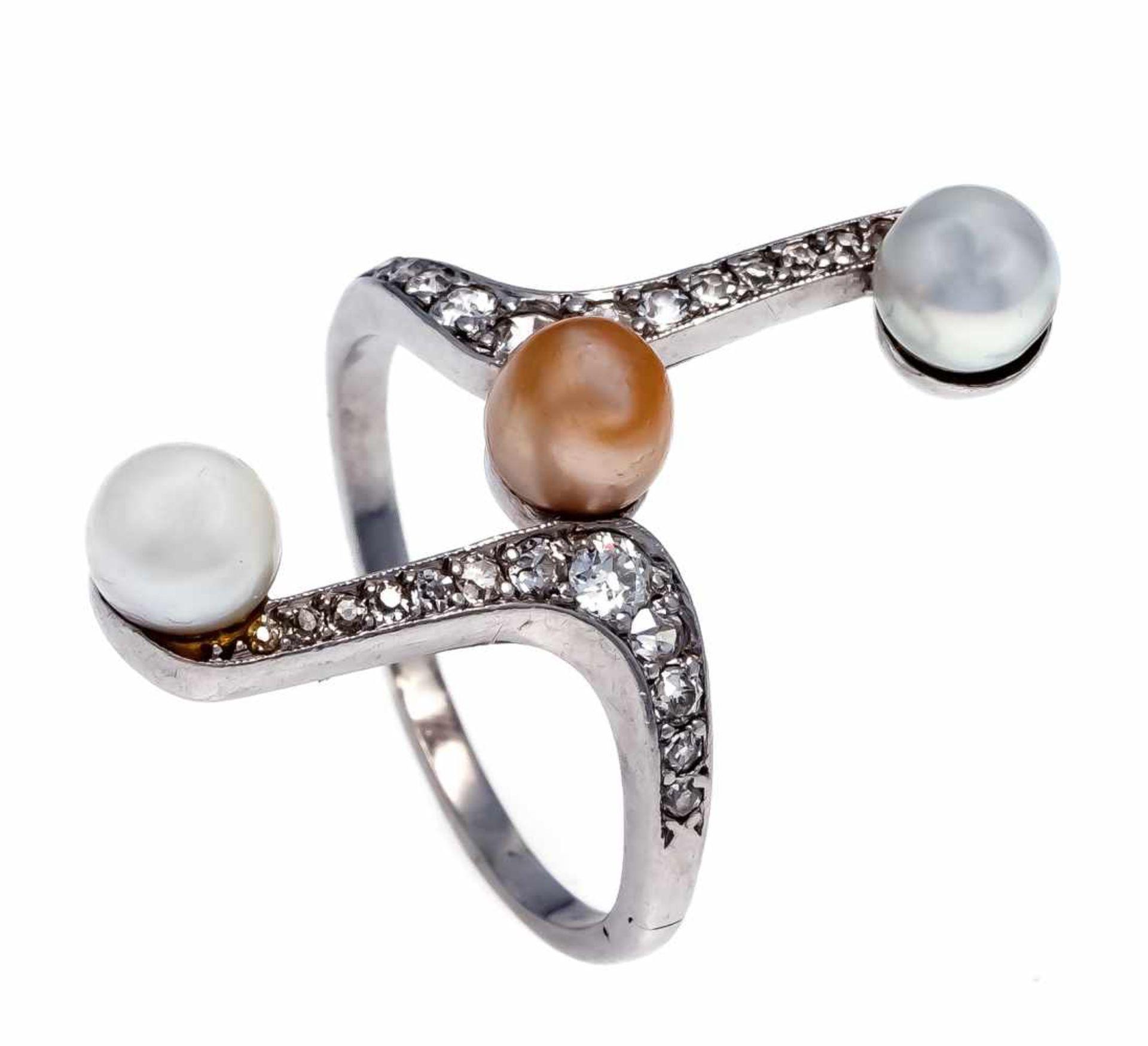 Art Déco Ring Platin 900/000 ungest., gepr., mit 3 Zuchtperlen 5,3 mm und Altschliff-Diamanten, zus.