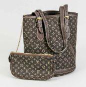 Louis Vuitton Bucket Bag mit Pochette an Kette. Stoff mit Monogramm, verstellbare Leder-Trageriemen.