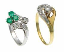 Smaragd-Diamant-Ring WG 585/000 mit 3 rund fac. Smaragden 3,5 mm und 4 Diamanten, zus. 0,08 ct (