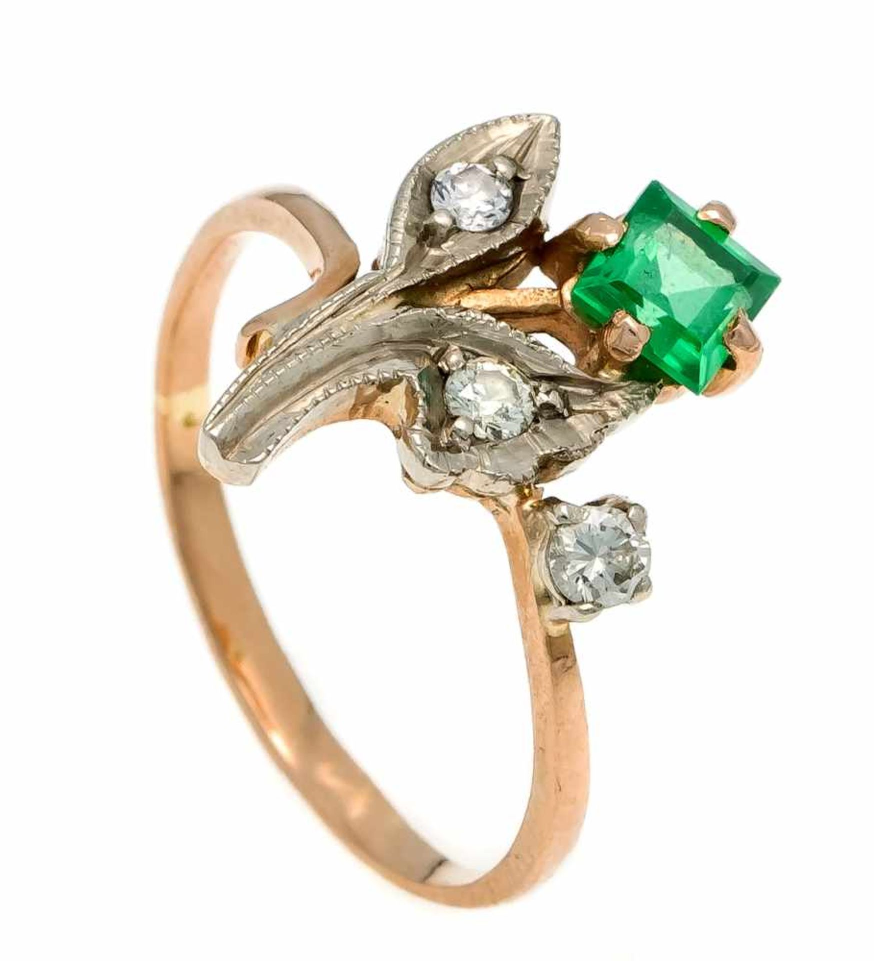Russicher Edelstein-Brillant-Ring RG 583/000 mit einem fac. grünen Edelstein-Carrée 4 x 4 mm und 3