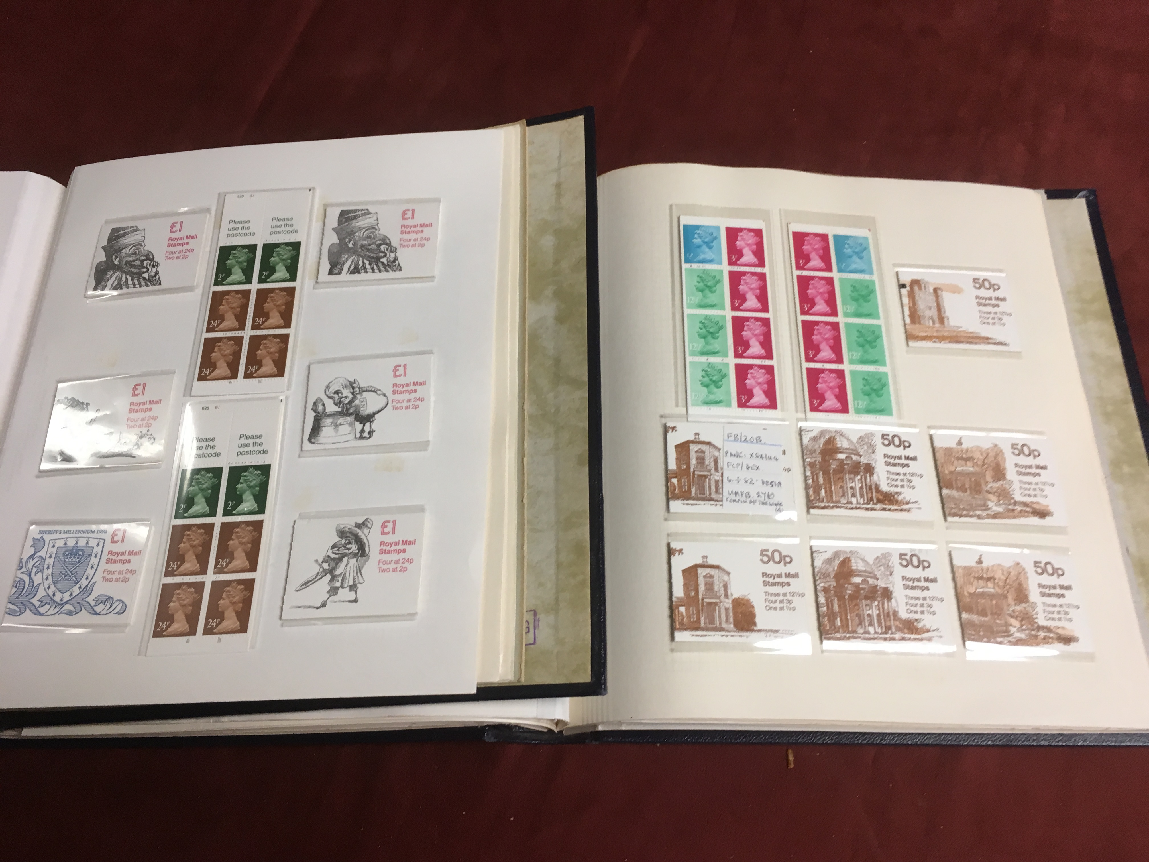 GB BOOKLETS: 1976-2000 MACHIN FOLDED 10p - Image 2 of 3