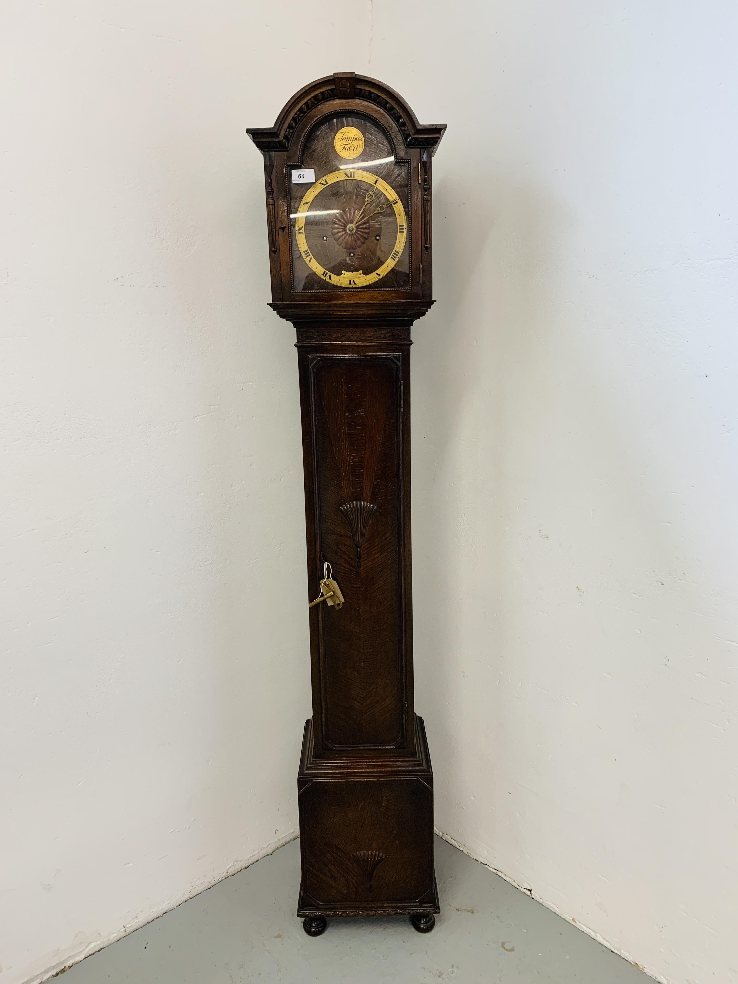 A 1940'S OAK CASED GRANDMOTHER CLOCK,