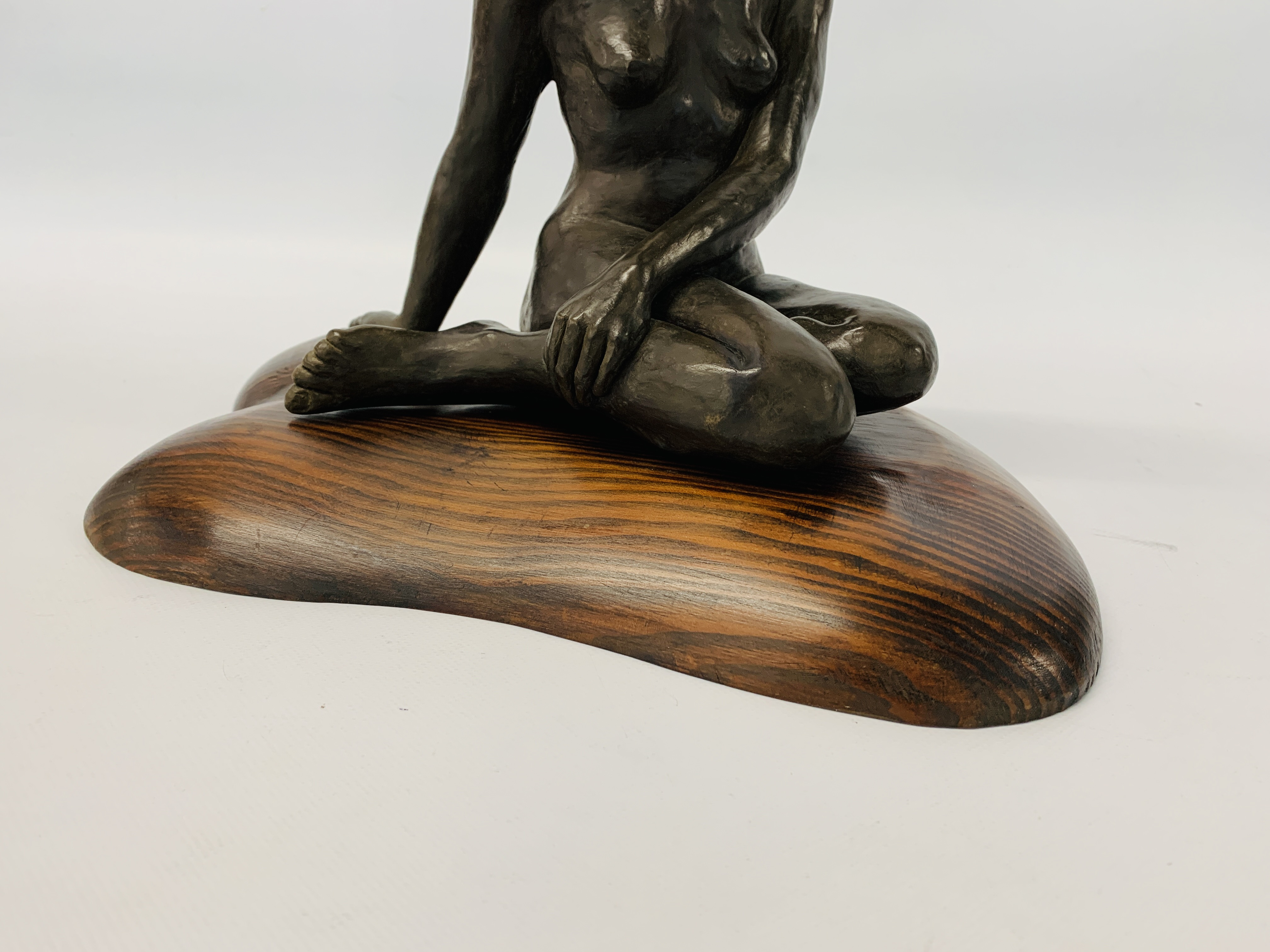 A BRONZED RESIN SCULPTURE OF A SEATED WOMAN BY SONIA DOBBS ON PINE BASE - HEIGHT 33.5 CM. - Image 4 of 8