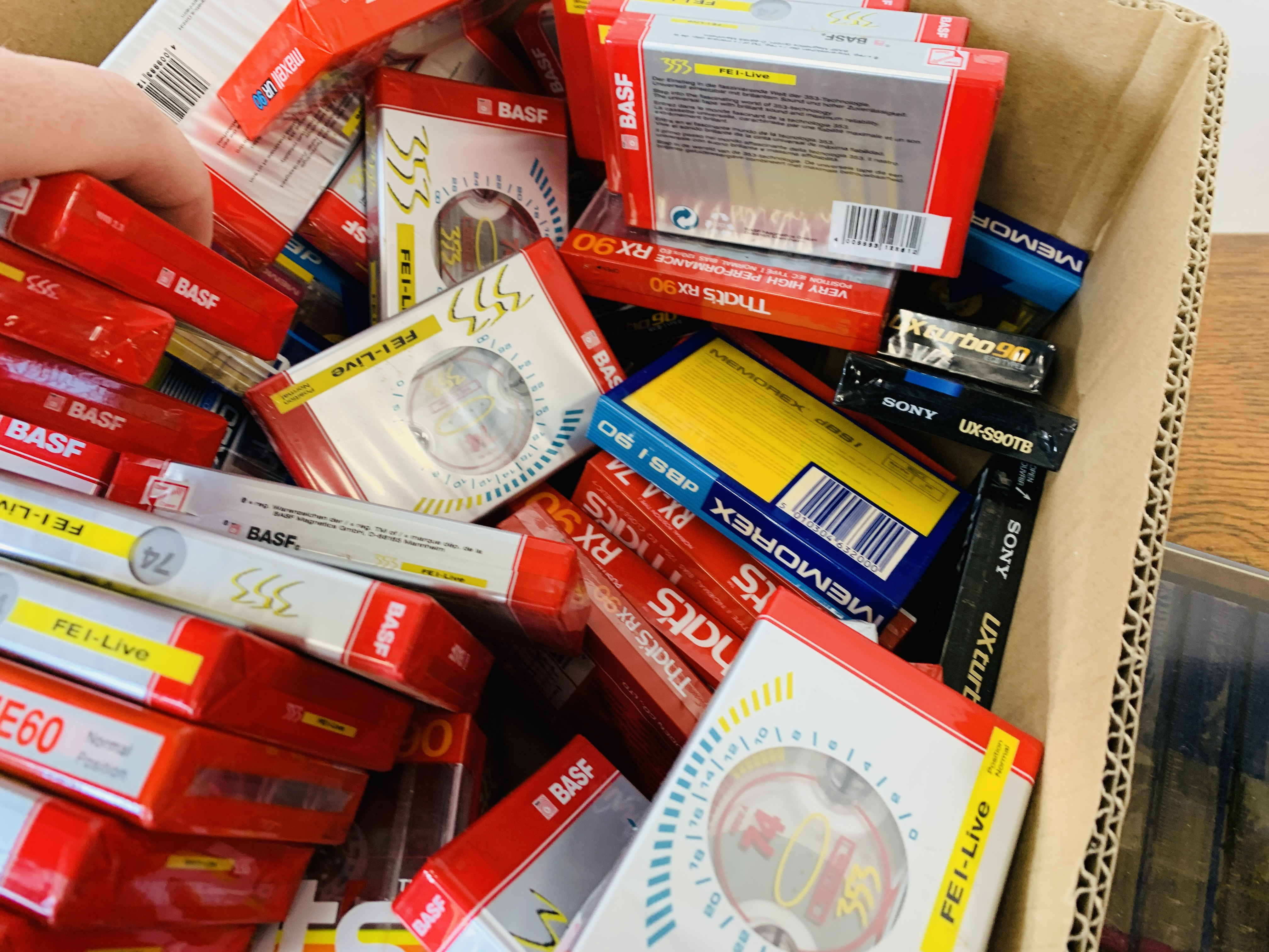 BOX OF VARIOUS BLANK CASSETTE TAPES TO INCLUDE MAXELL, SONY ETC. - Image 3 of 6