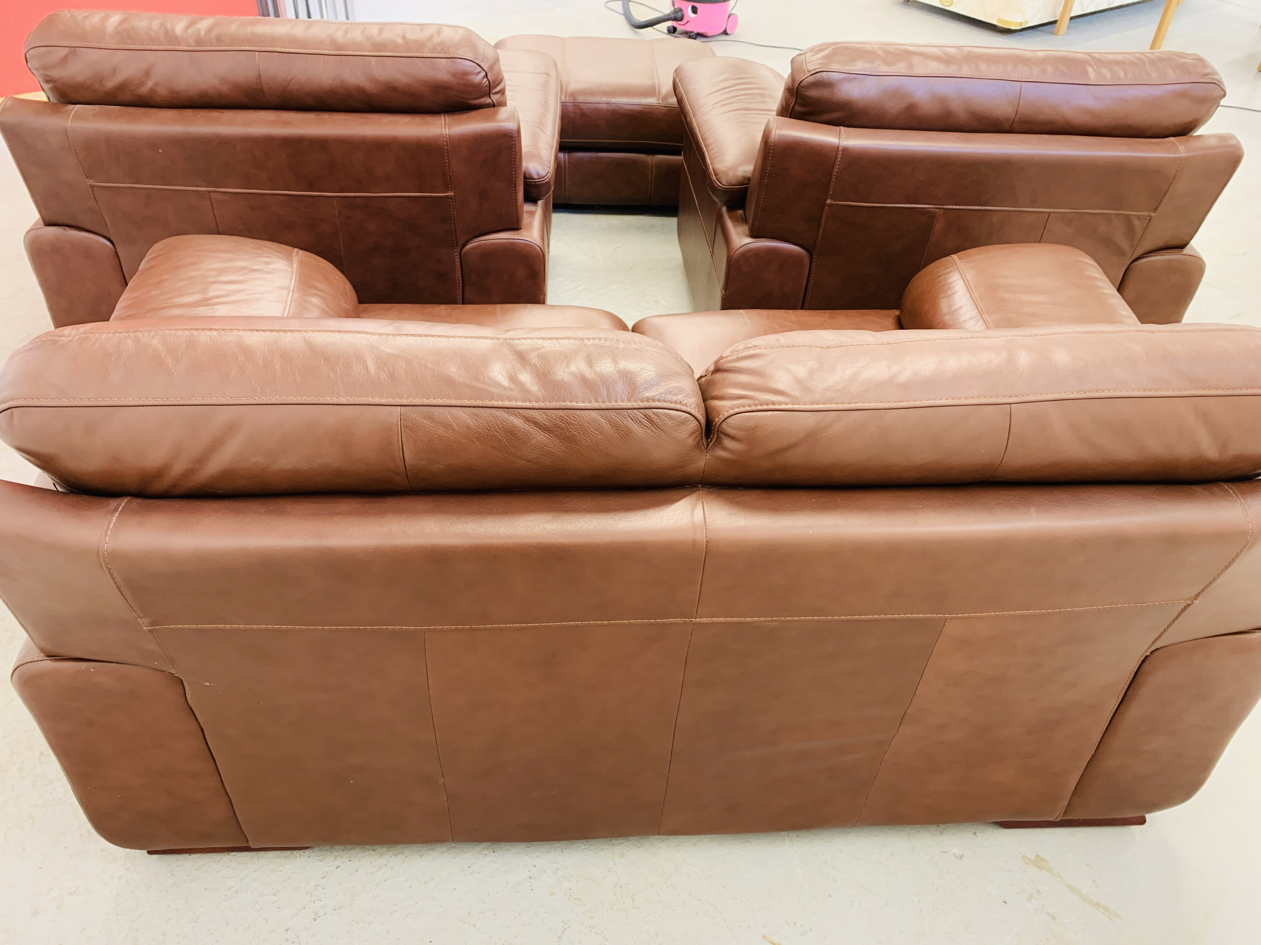 A GOOD QUALITY TAN LEATHER THREE PIECE LOUNGE SUITE WITH MATCHING POUFFE - Image 17 of 17