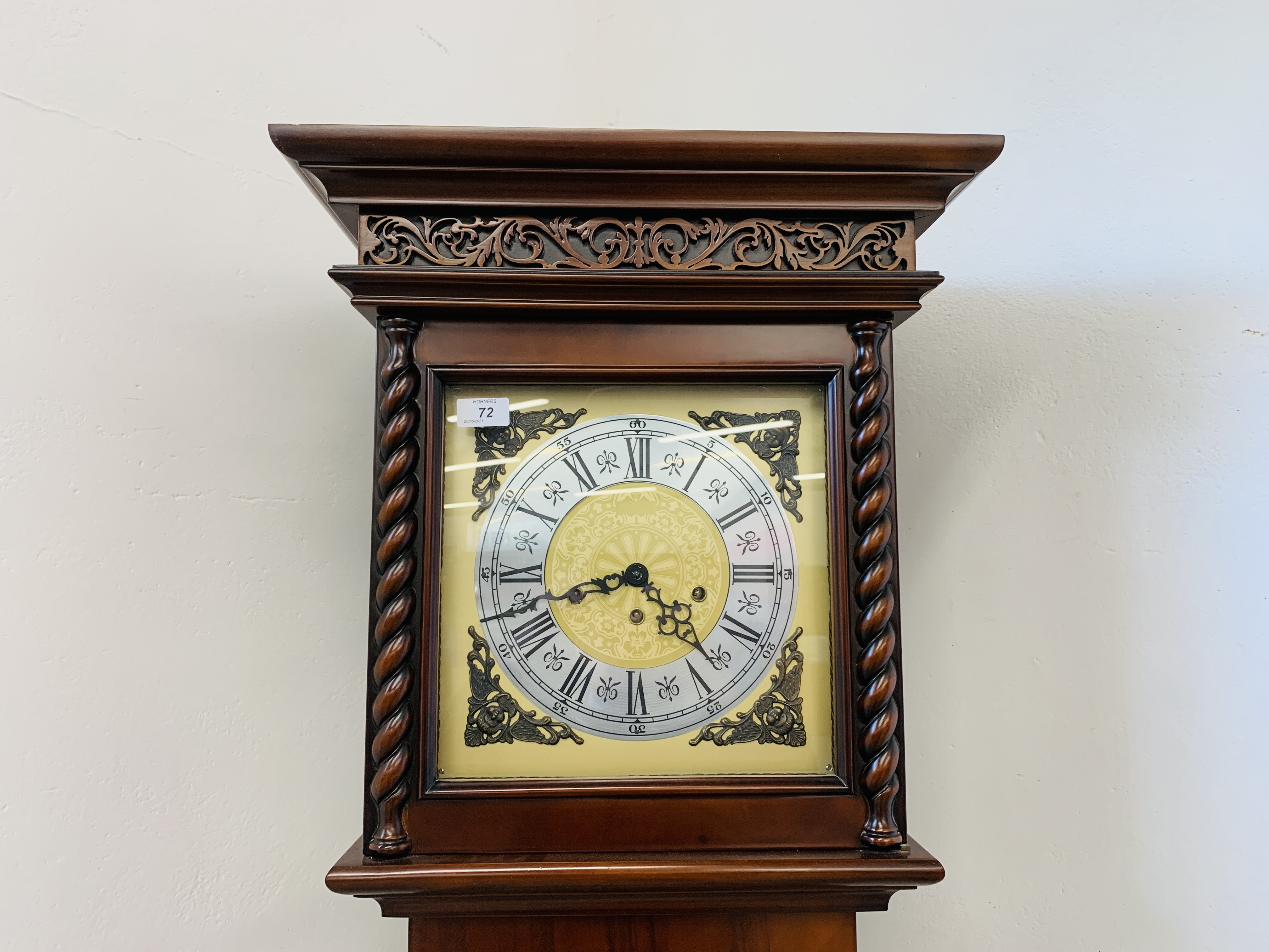 A GOOD QUALITY REPRODUCTION LONG CASE CLOCK - WESTMINSTER CHIME - SOLD AS SEEN - Image 19 of 19