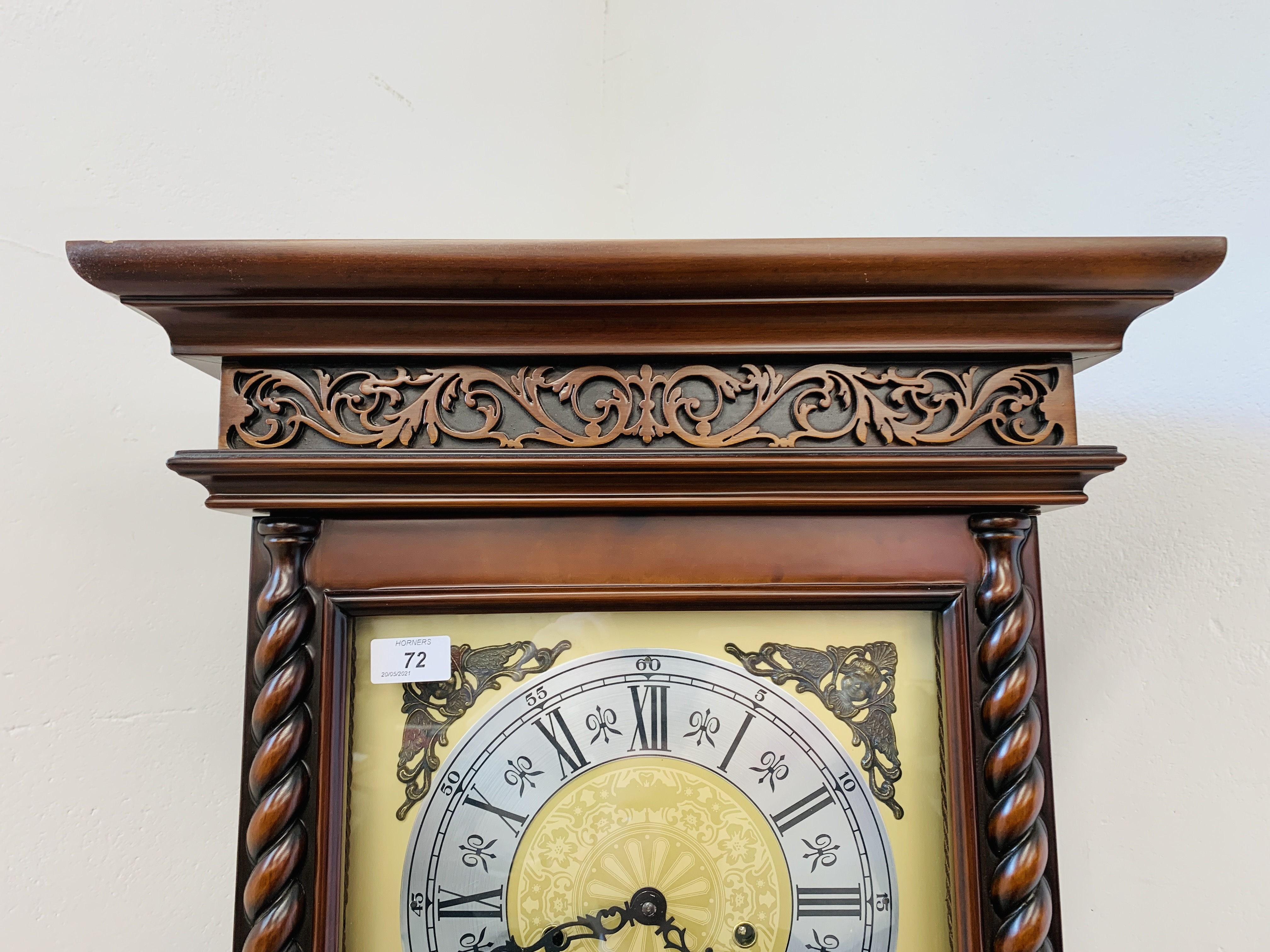 A GOOD QUALITY REPRODUCTION LONG CASE CLOCK - WESTMINSTER CHIME - SOLD AS SEEN - Image 18 of 19