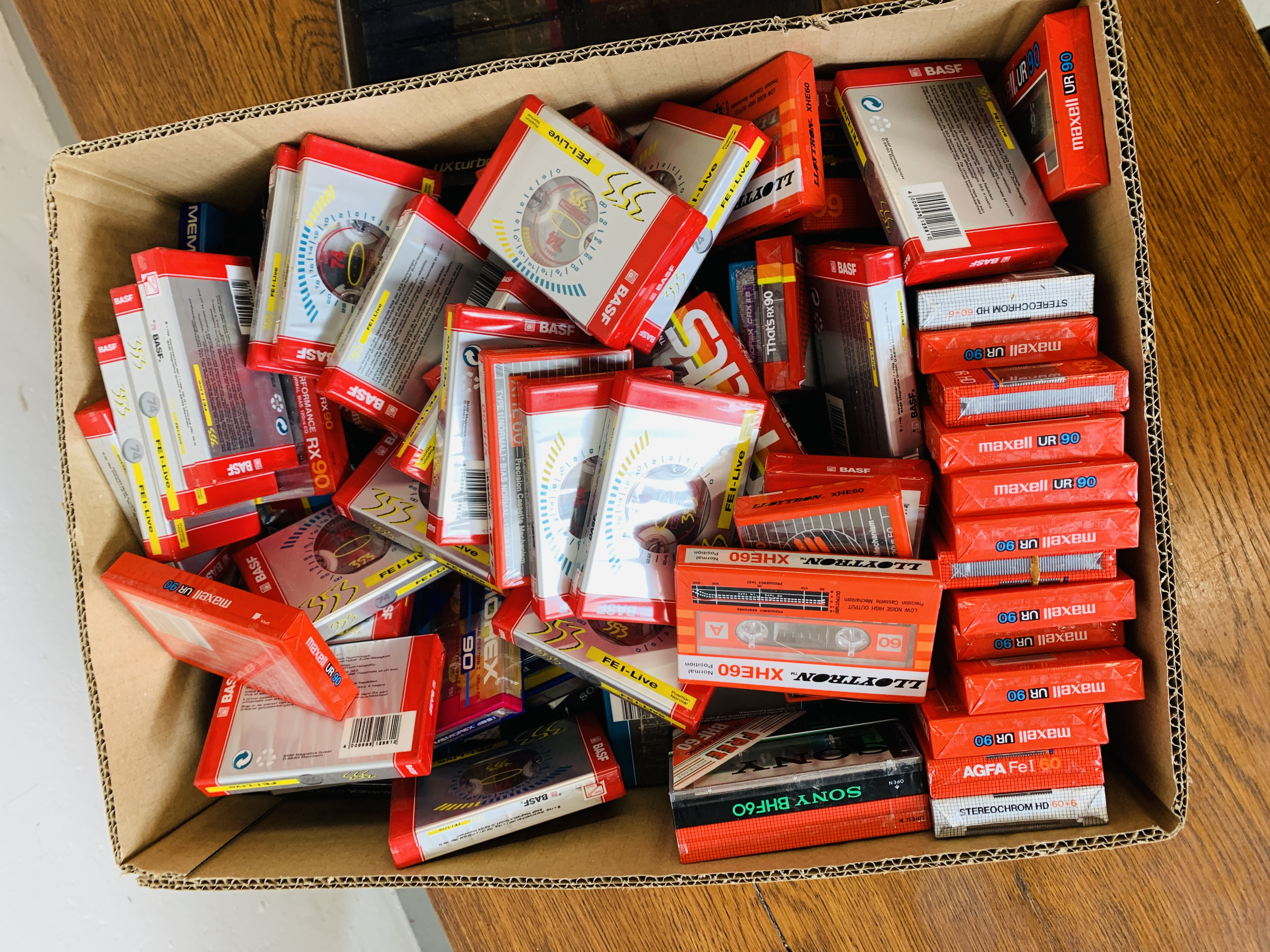 BOX OF VARIOUS BLANK CASSETTE TAPES TO INCLUDE MAXELL, SONY ETC. - Image 2 of 6