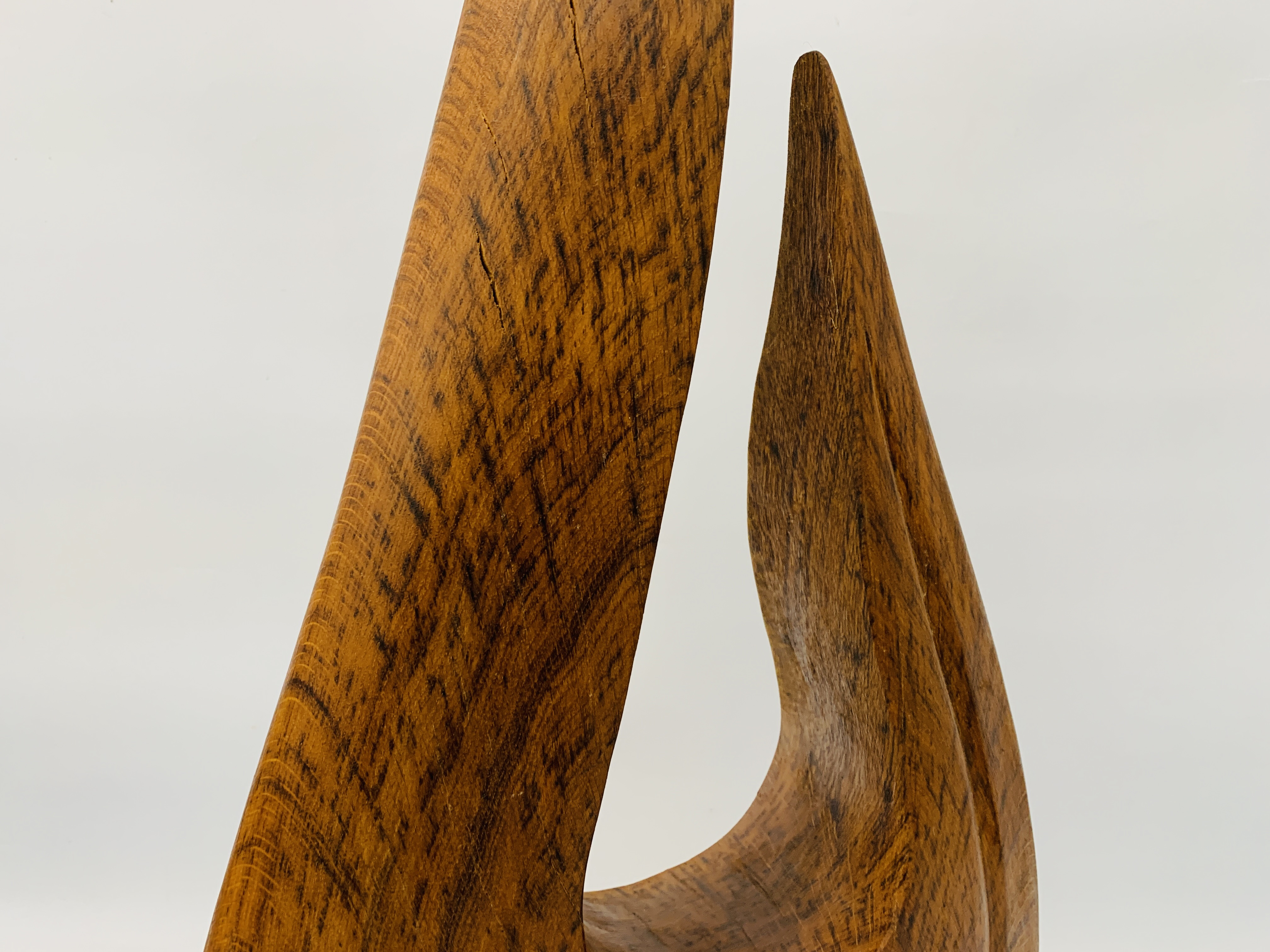 """AN OAK ABSTRACT SCULPTURE OF """"U"""" SHAPED FORM - HEIGHT 83 CM. - Image 5 of 8"""