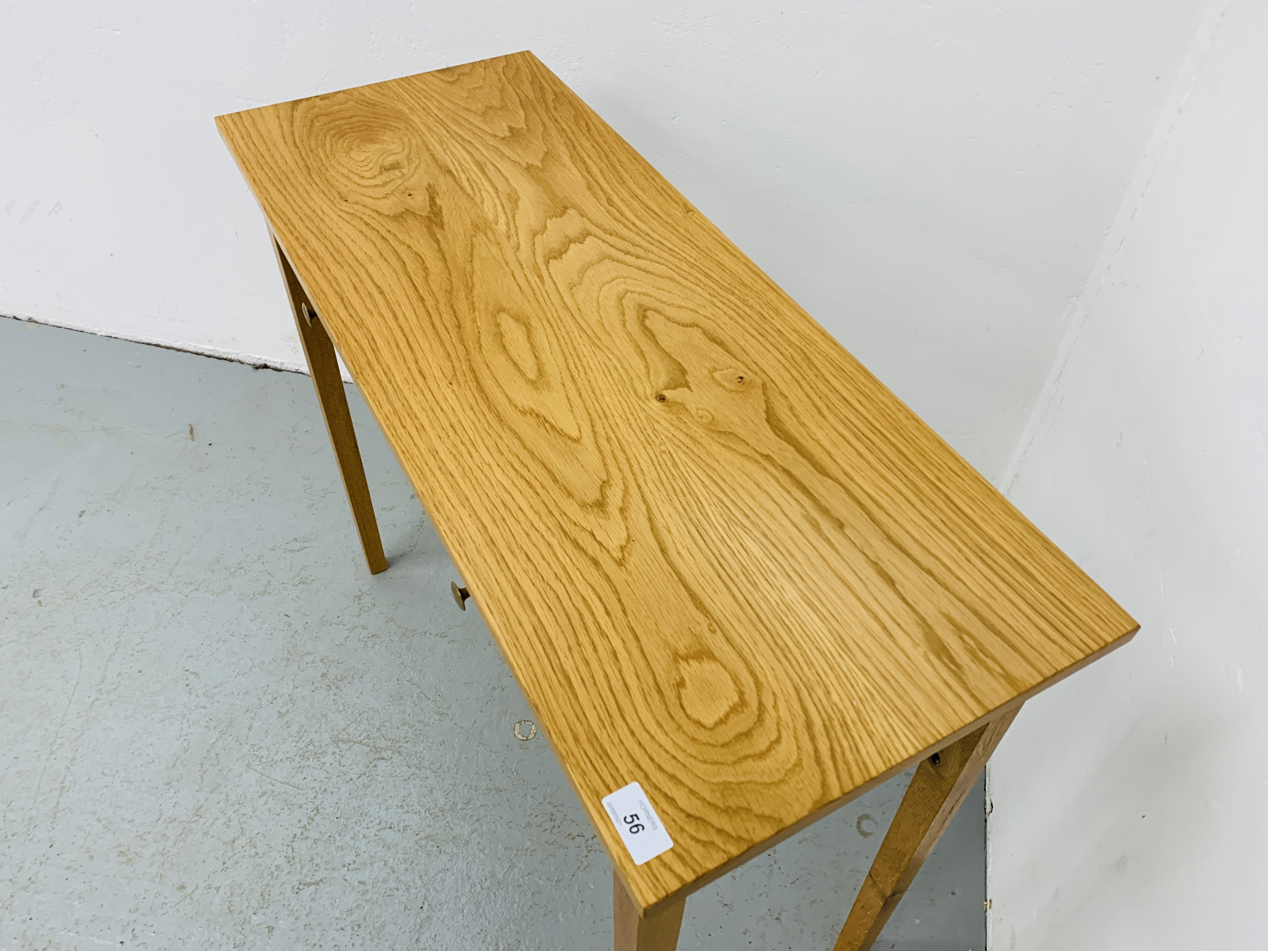 A SMALL LIGHT OAK TWO DRAWER SIDE TABLE 85CM X 34CM - Image 6 of 7