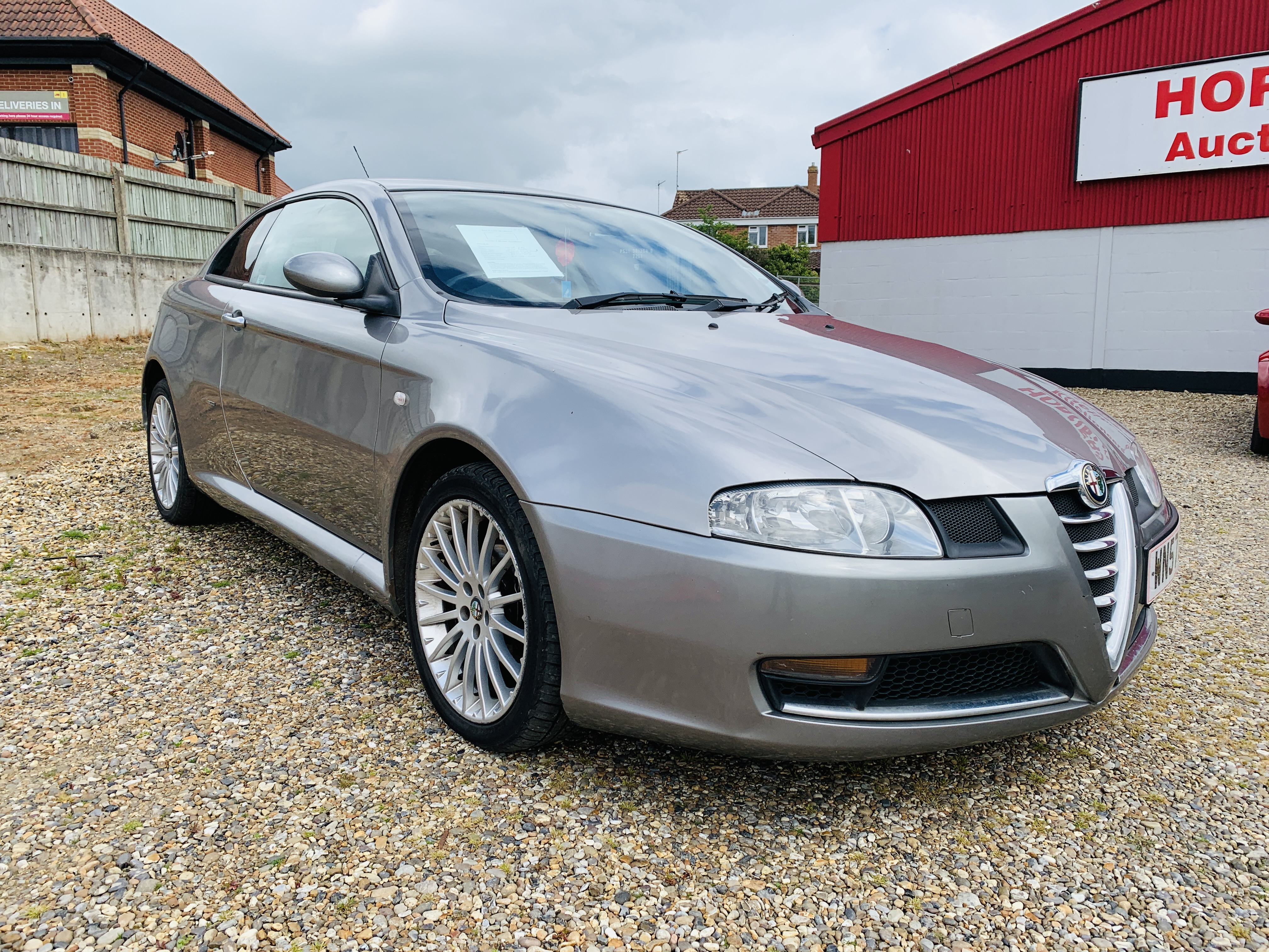 WN57 LHX ALFA ROMEO GT LUSSO JTDM COUPE 1910CC DIESEL. FIRST REGISTERED 29/11/2007.