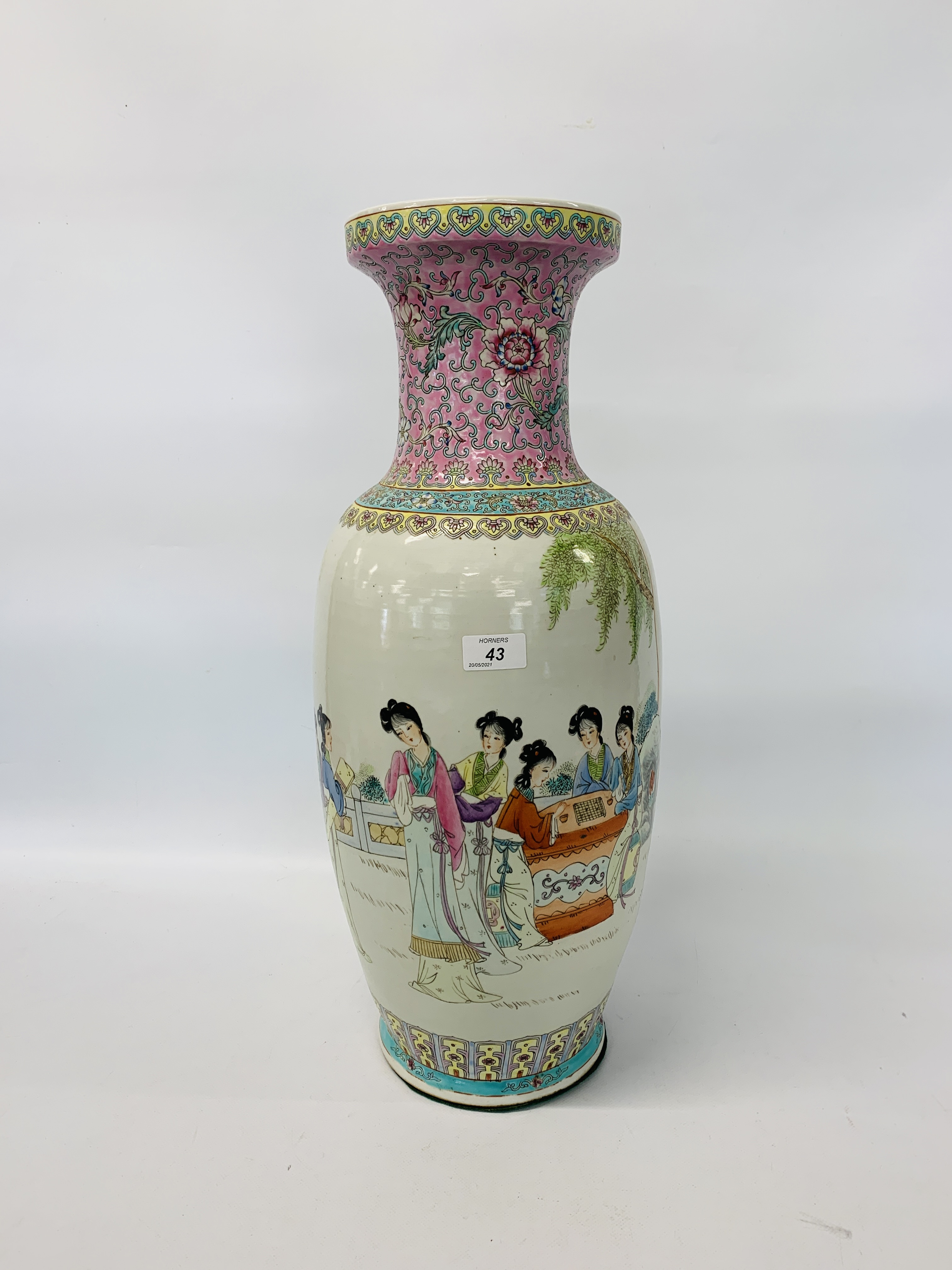 A LARGE CHINESE POLYCHROME VASE - HEIGHT 60CM.