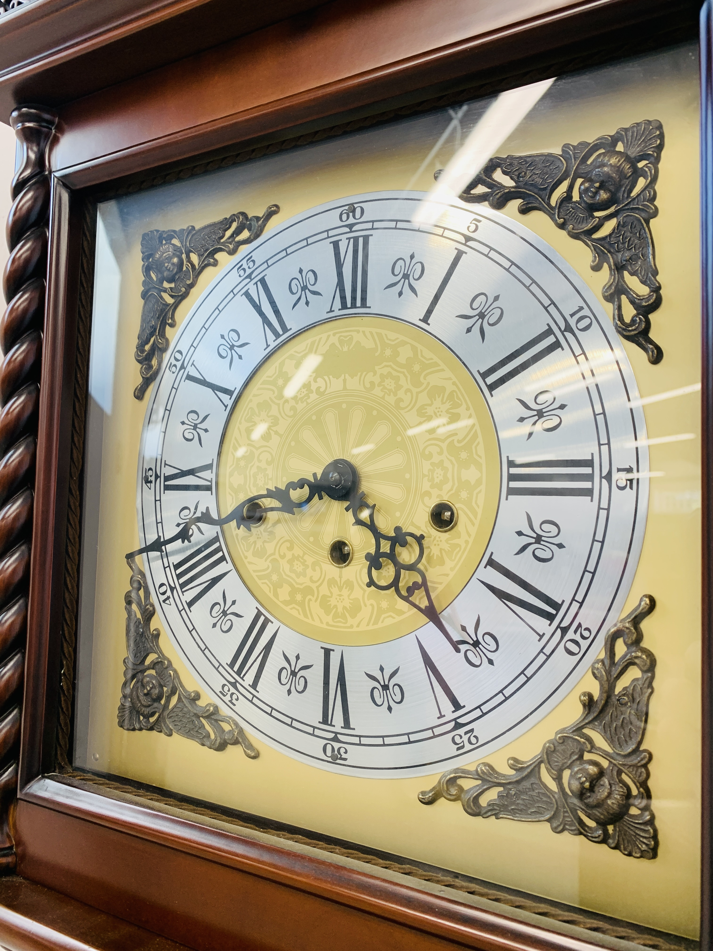 A GOOD QUALITY REPRODUCTION LONG CASE CLOCK - WESTMINSTER CHIME - SOLD AS SEEN - Image 15 of 19
