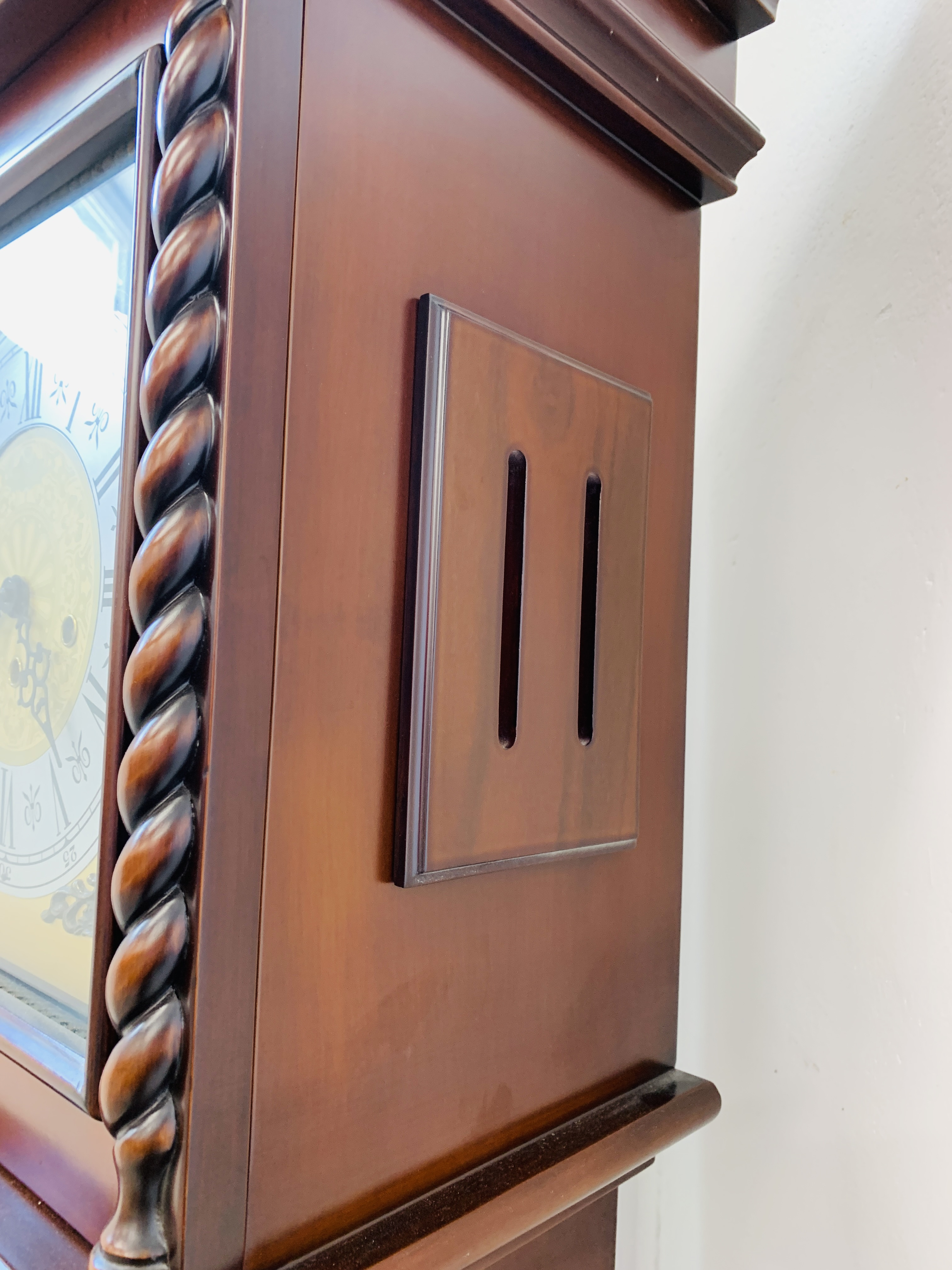 A GOOD QUALITY REPRODUCTION LONG CASE CLOCK - WESTMINSTER CHIME - SOLD AS SEEN - Image 14 of 19