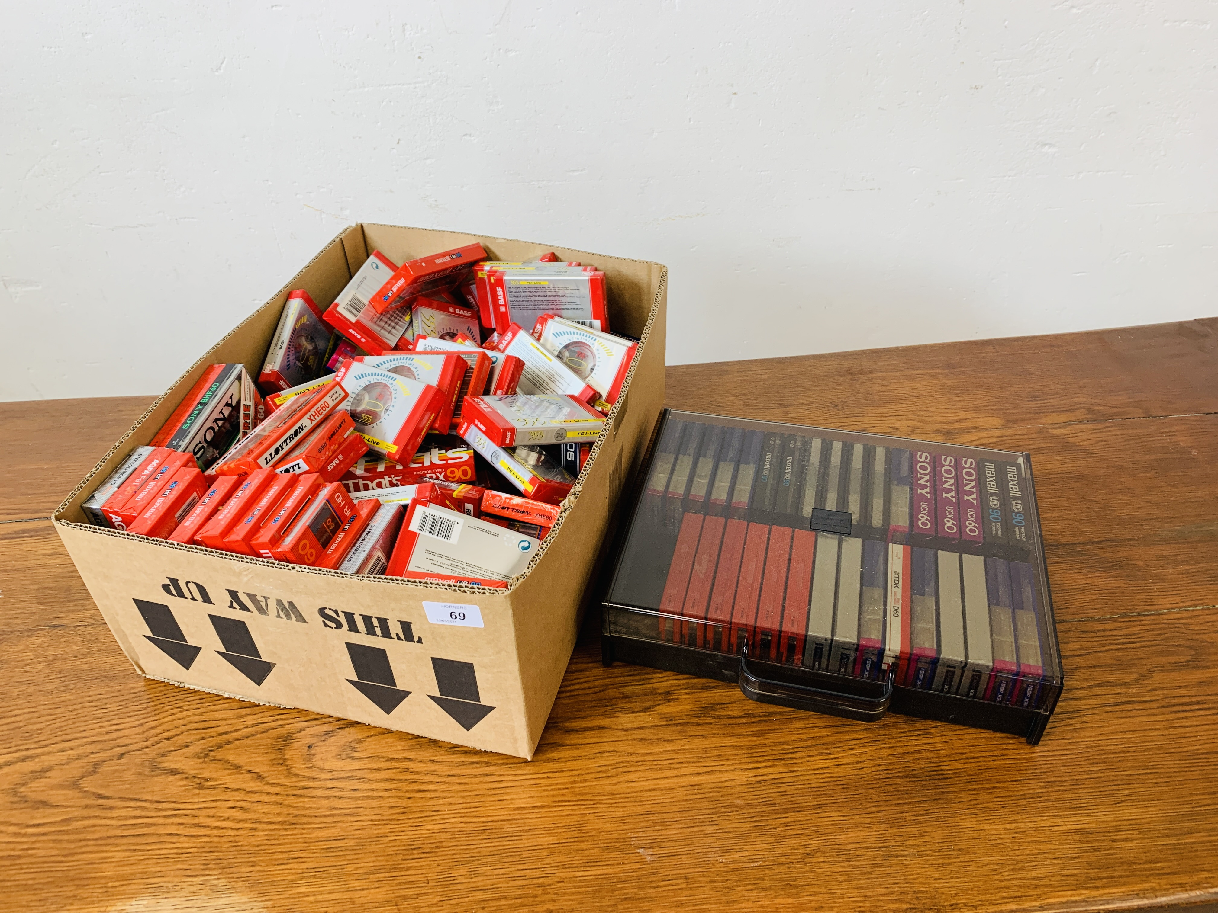 BOX OF VARIOUS BLANK CASSETTE TAPES TO INCLUDE MAXELL, SONY ETC.