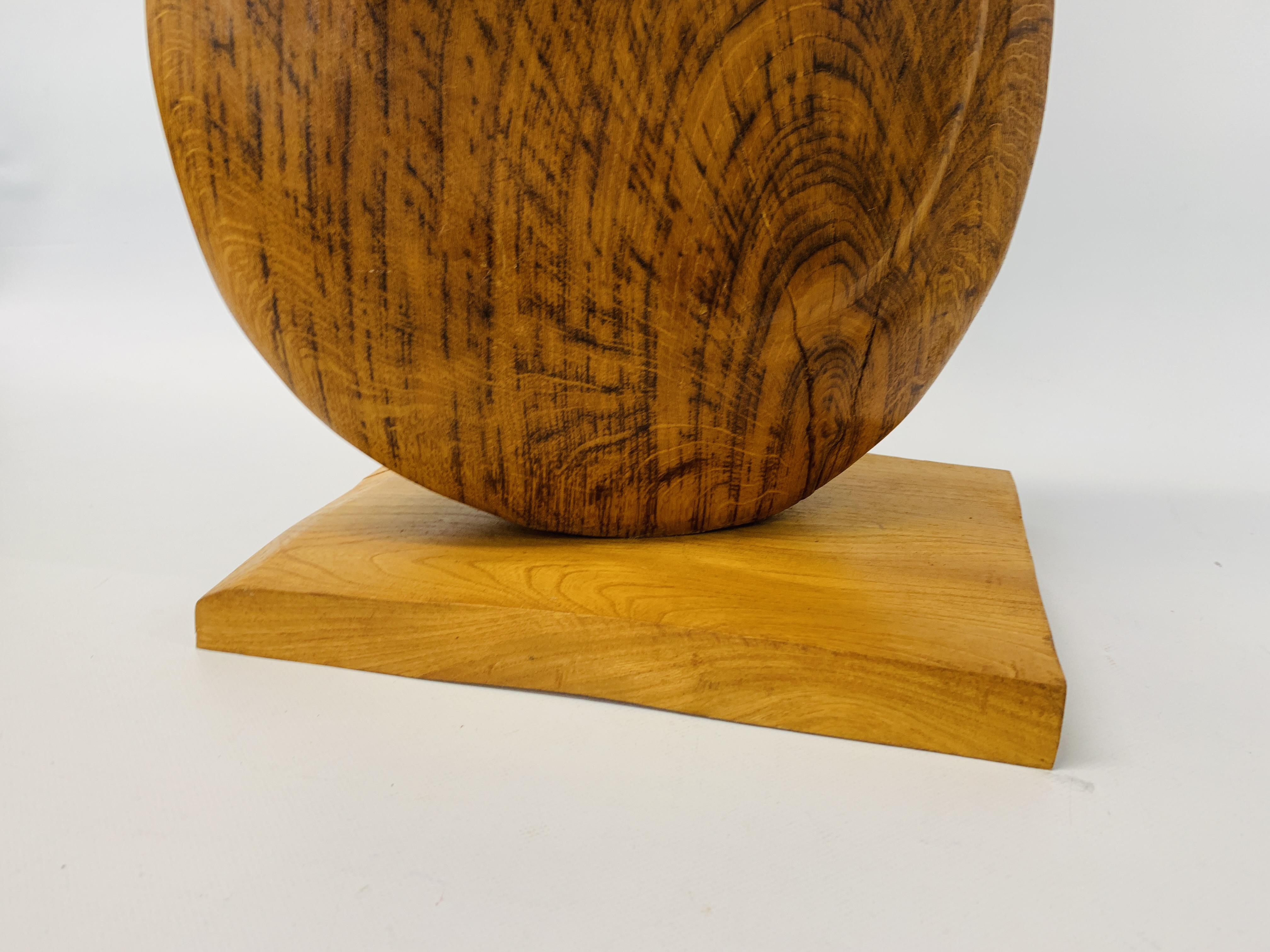 """AN OAK ABSTRACT SCULPTURE OF """"U"""" SHAPED FORM - HEIGHT 83 CM. - Image 3 of 8"""
