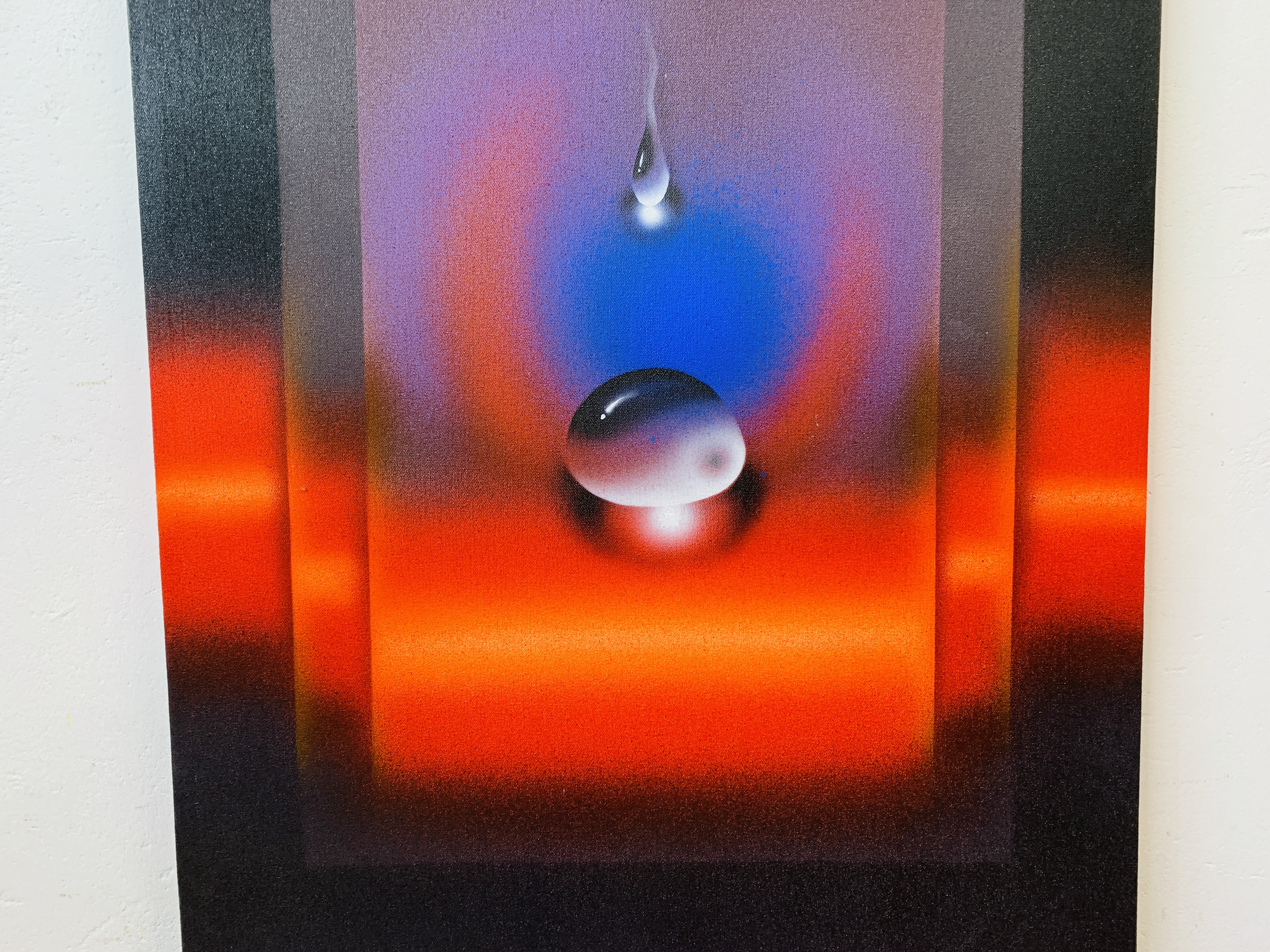 """QUINTANA - AN ABSTRACT OF A """"FALLING DROP"""" OIL ON CANVAS 80 X 60CM SIGNED AND DATED 05 - Image 3 of 6"""