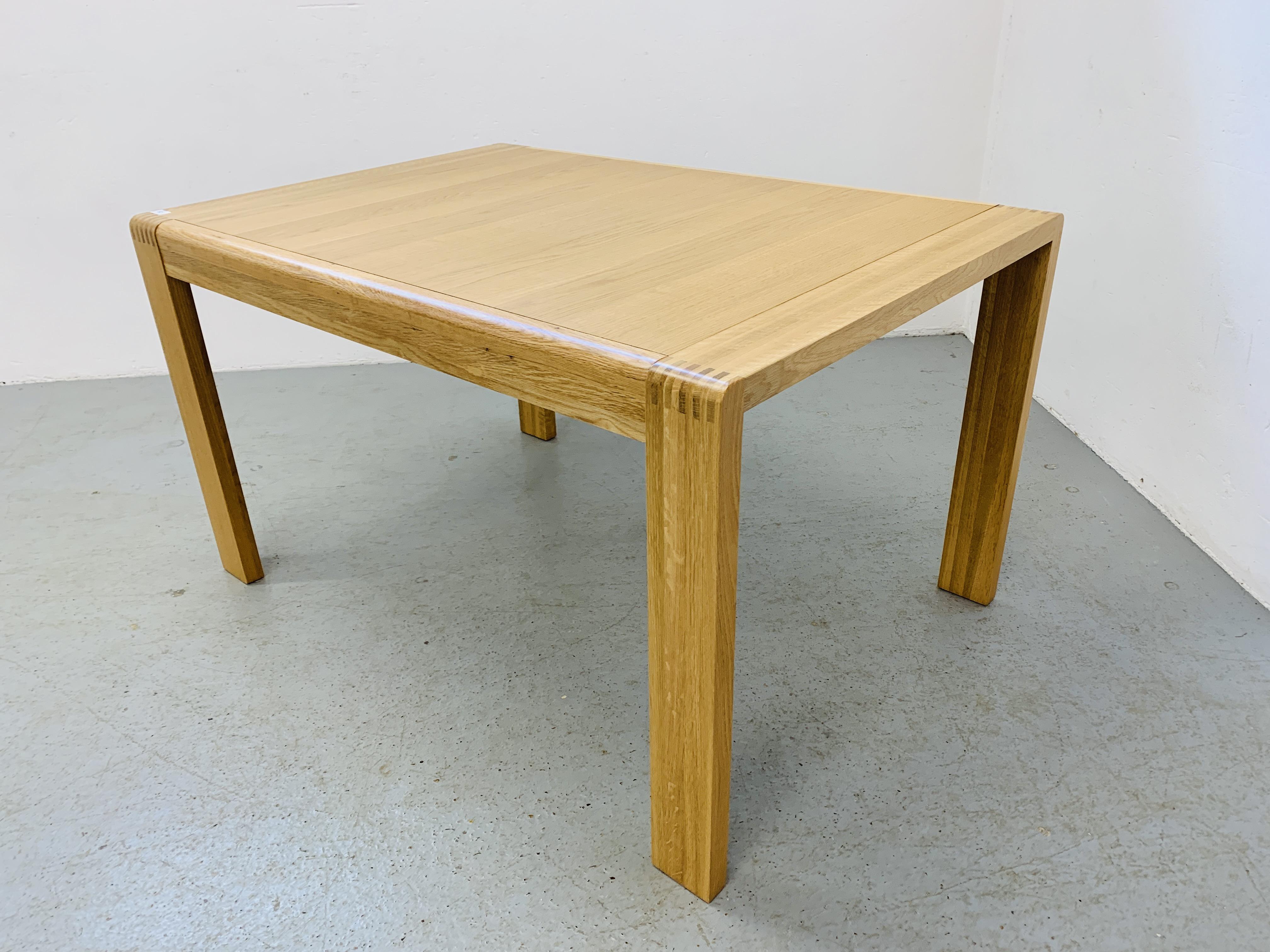 "AN ERCOL ""BOSCO"" OAK DESIGNER DINING TABLE 130CM X 90CM - Image 4 of 14"