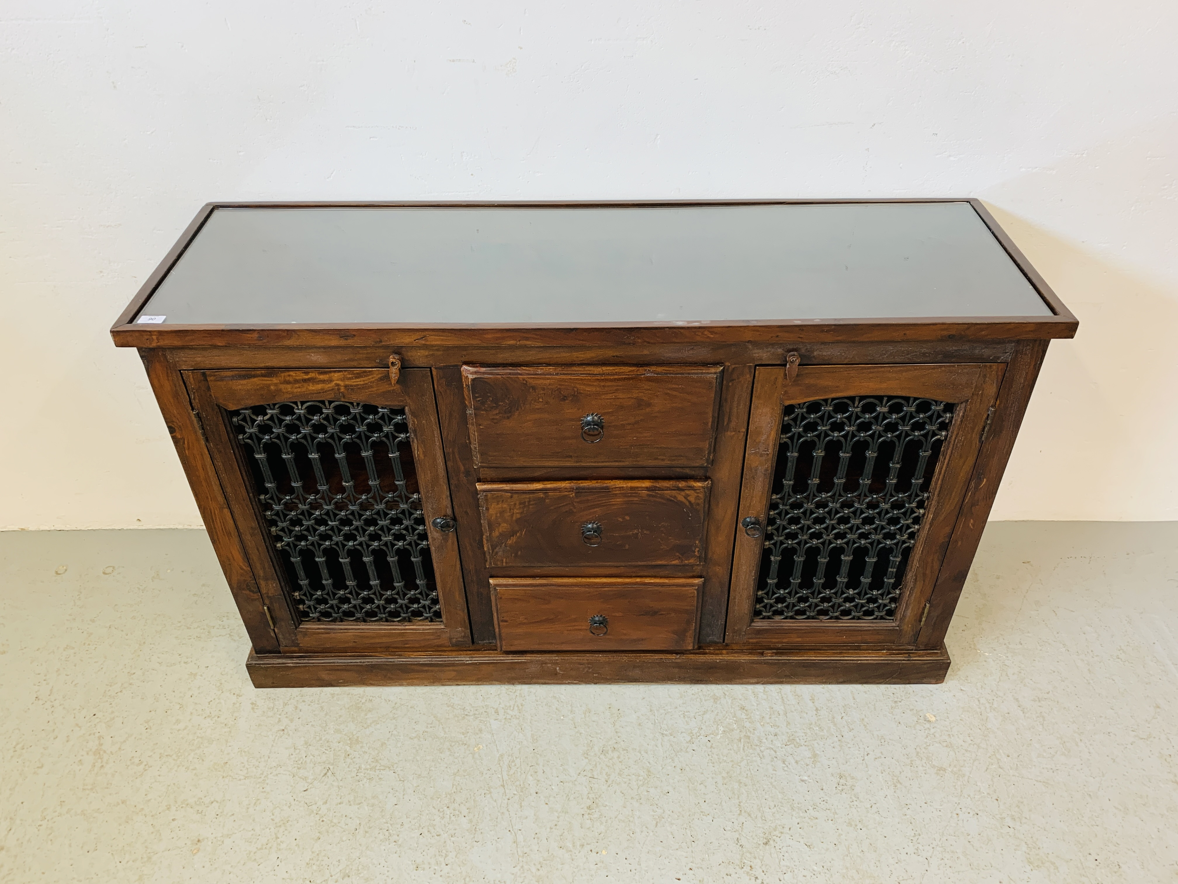 A RUSTIC HARDWOOD COUNTRY & EASTERN STYLE DRESSER BASE, - Image 2 of 9
