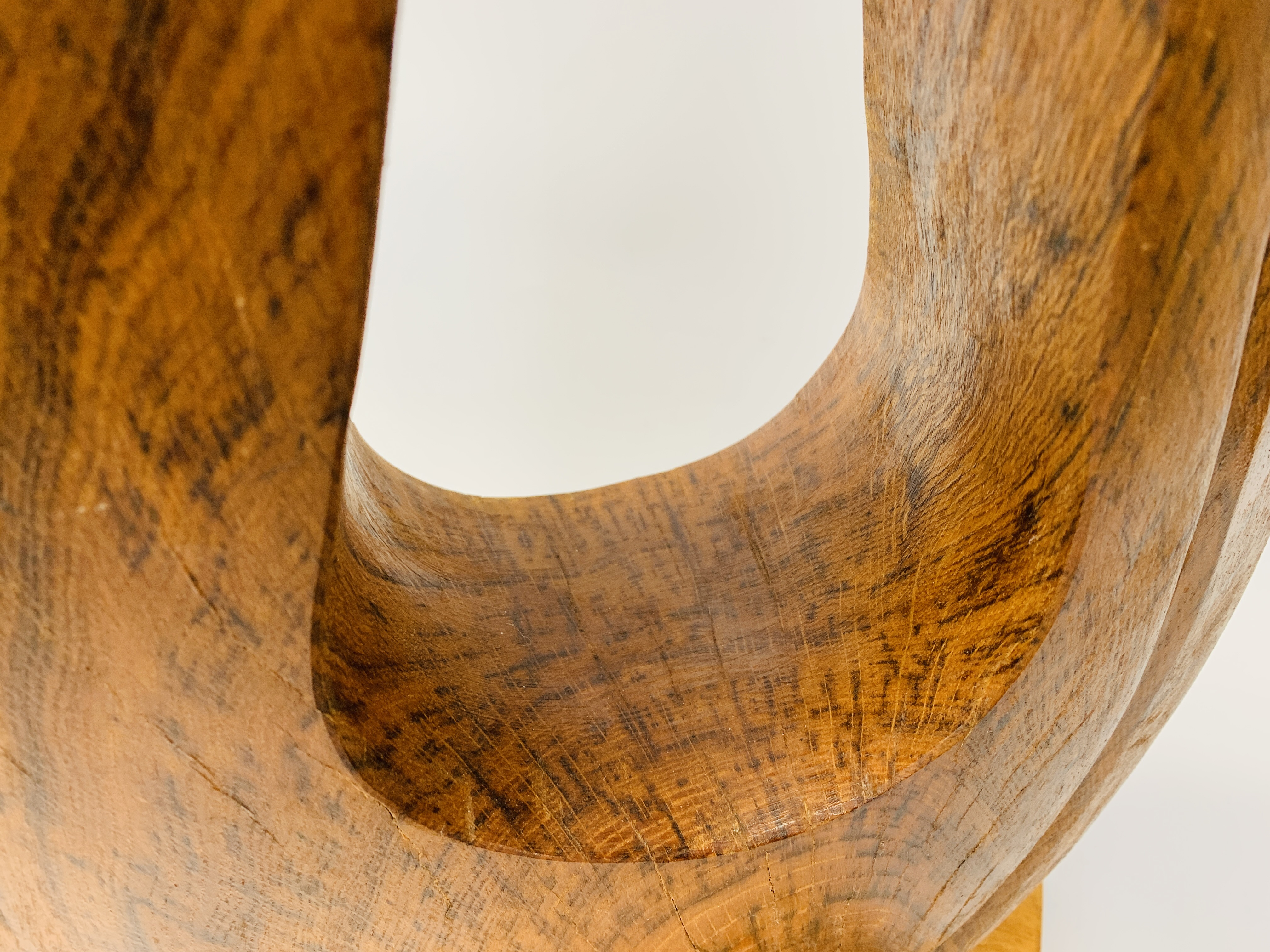 """AN OAK ABSTRACT SCULPTURE OF """"U"""" SHAPED FORM - HEIGHT 83 CM. - Image 7 of 8"""