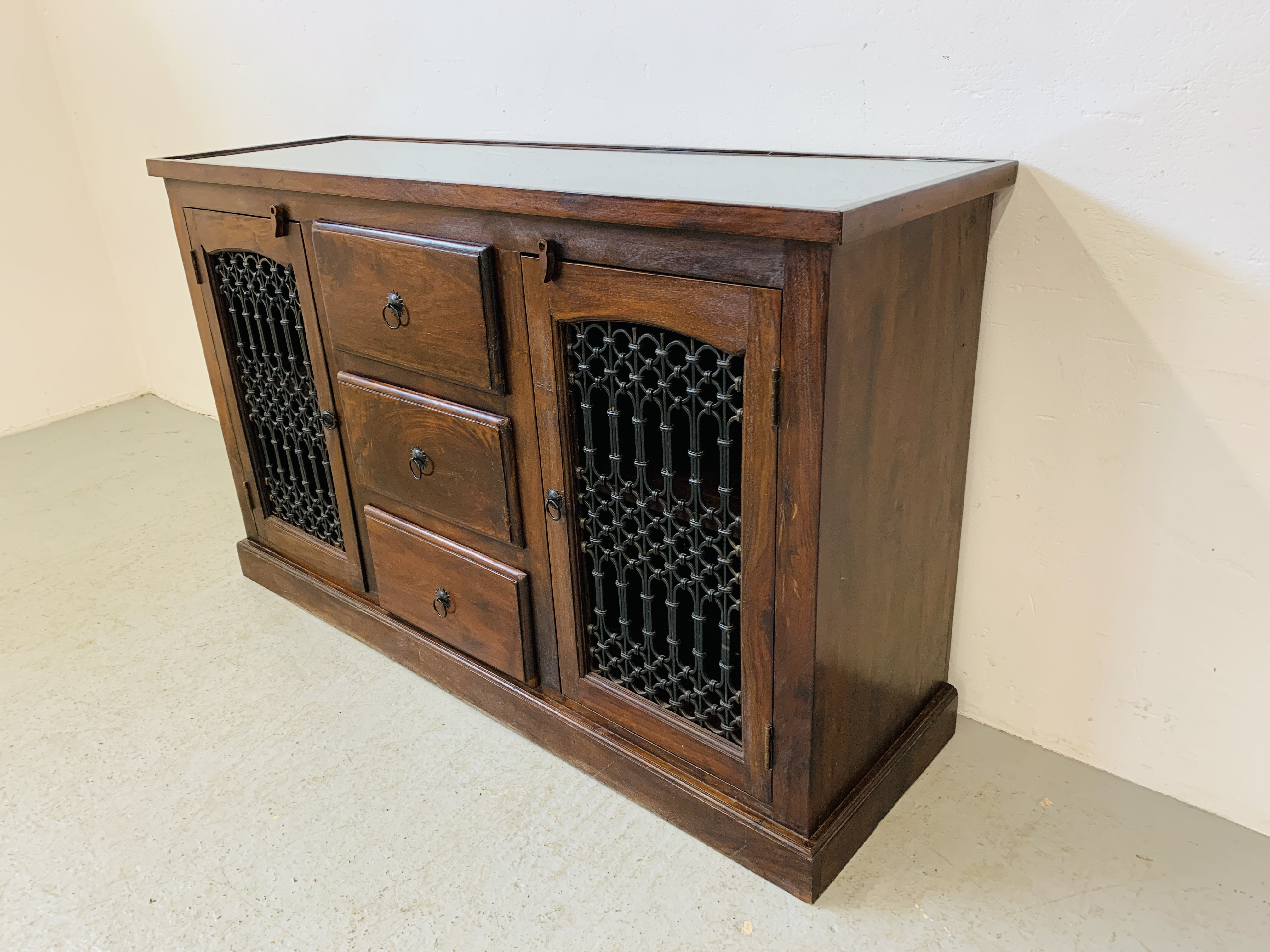 A RUSTIC HARDWOOD COUNTRY & EASTERN STYLE DRESSER BASE, - Image 3 of 9
