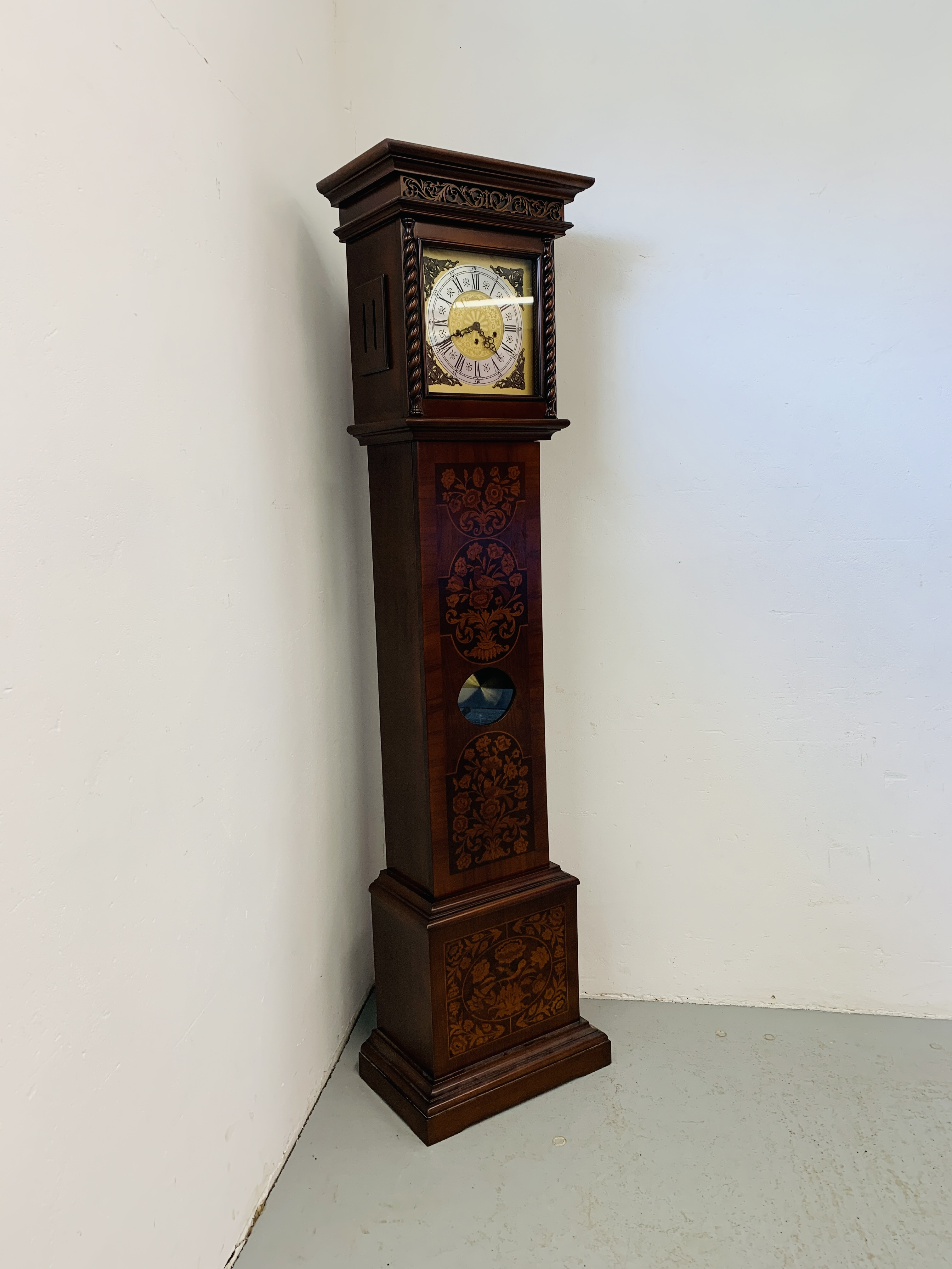 A GOOD QUALITY REPRODUCTION LONG CASE CLOCK - WESTMINSTER CHIME - SOLD AS SEEN - Image 2 of 19