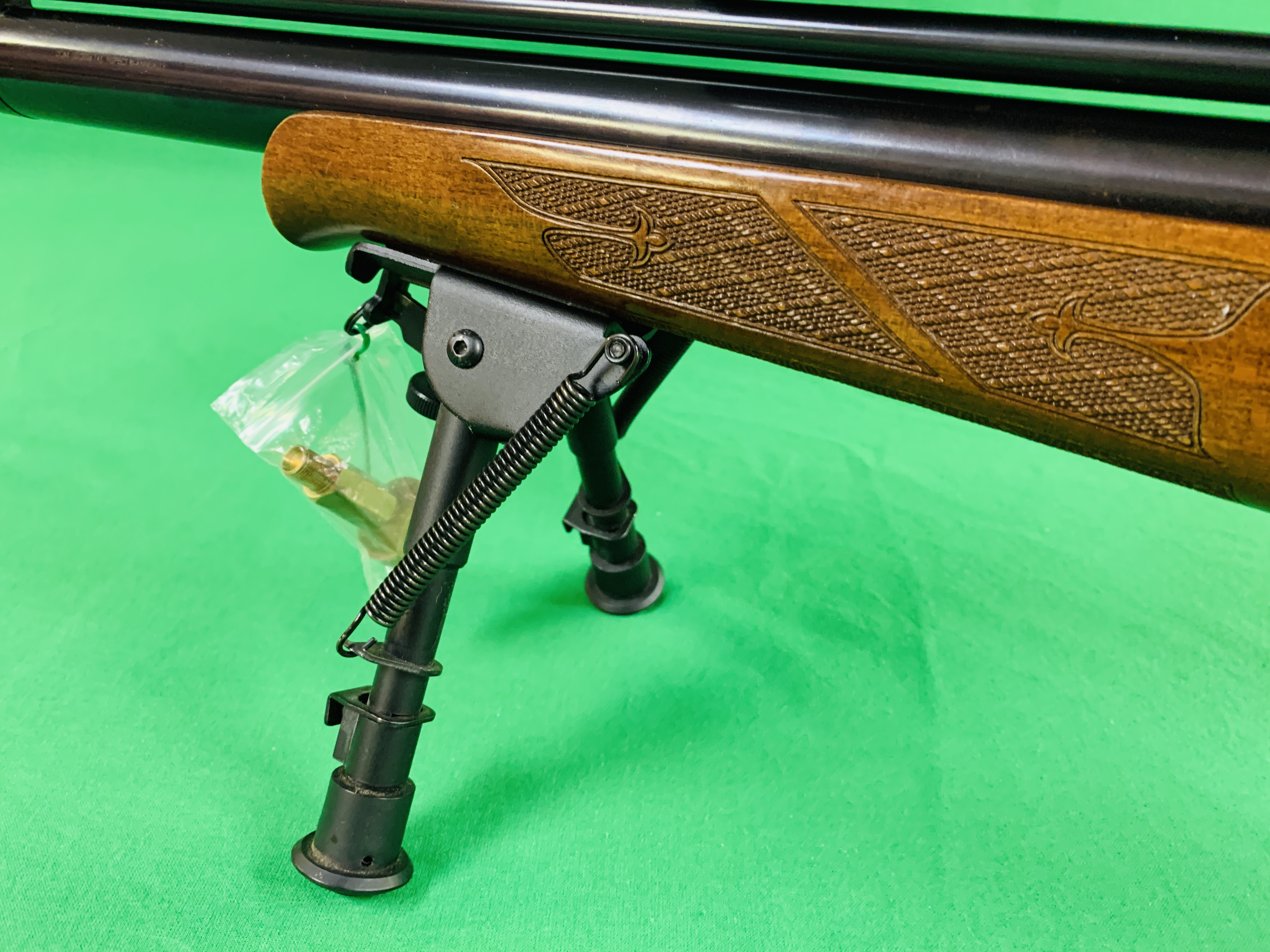 AIR ARMS S400 CLASSIC .177 BOLT ACTION PCP AIR RIFLE FITTED WITH BONUS 6. - Image 8 of 17