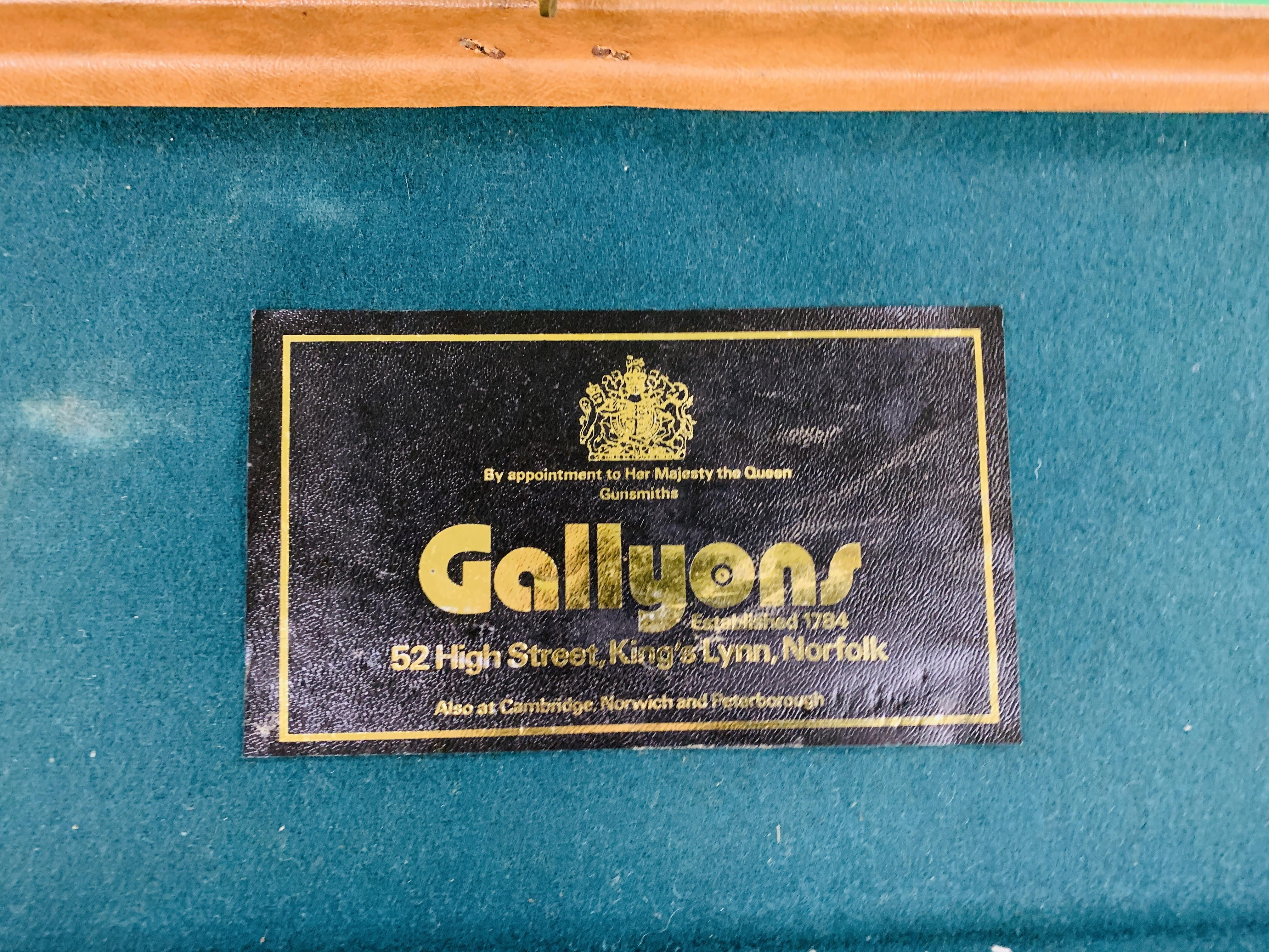 """LEATHERETTE 28 / 30"""" CASE WITH GALLYON OF KINGFISHER LABEL INSIDE - Image 3 of 11"""
