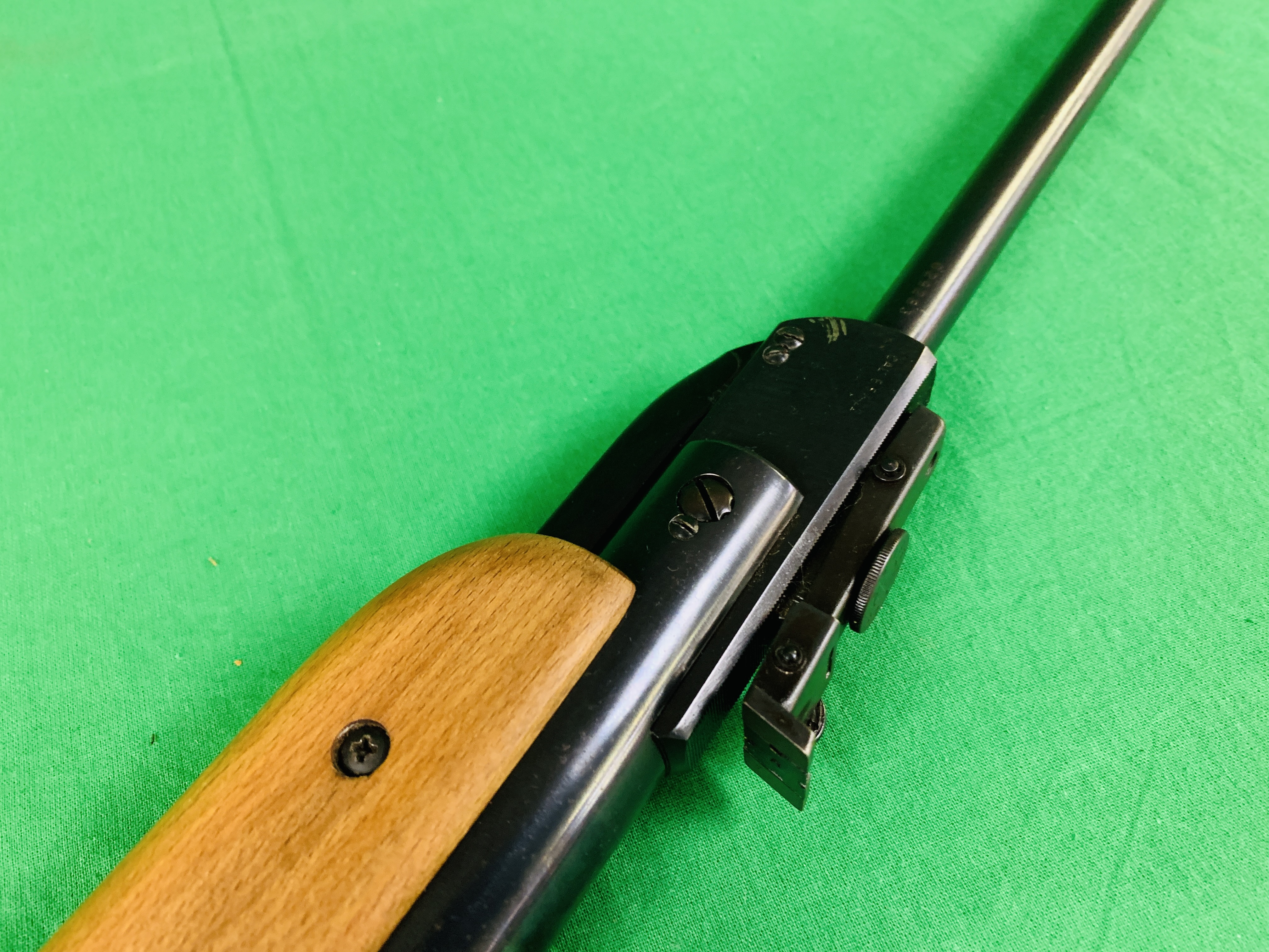 """AN """"ORIGINAL"""" MODEL 35 .22 BREAK BARREL AIR RIFLE FITTED WITH SIMMONS 4. - Image 10 of 10"""