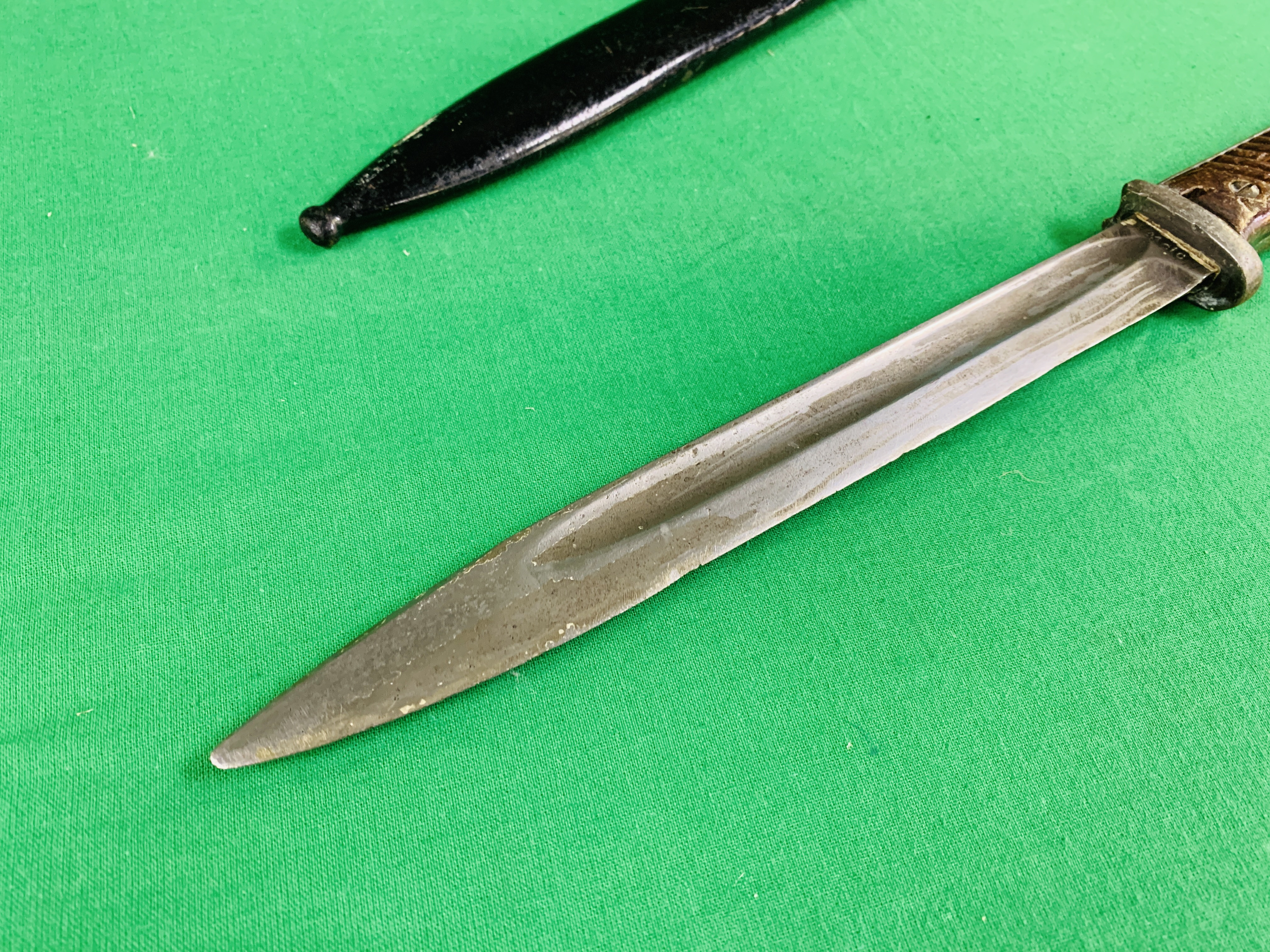 K98 BAYONET ENGRAVED 41 C/C 6363 WITH SCABBARD. - Image 6 of 10