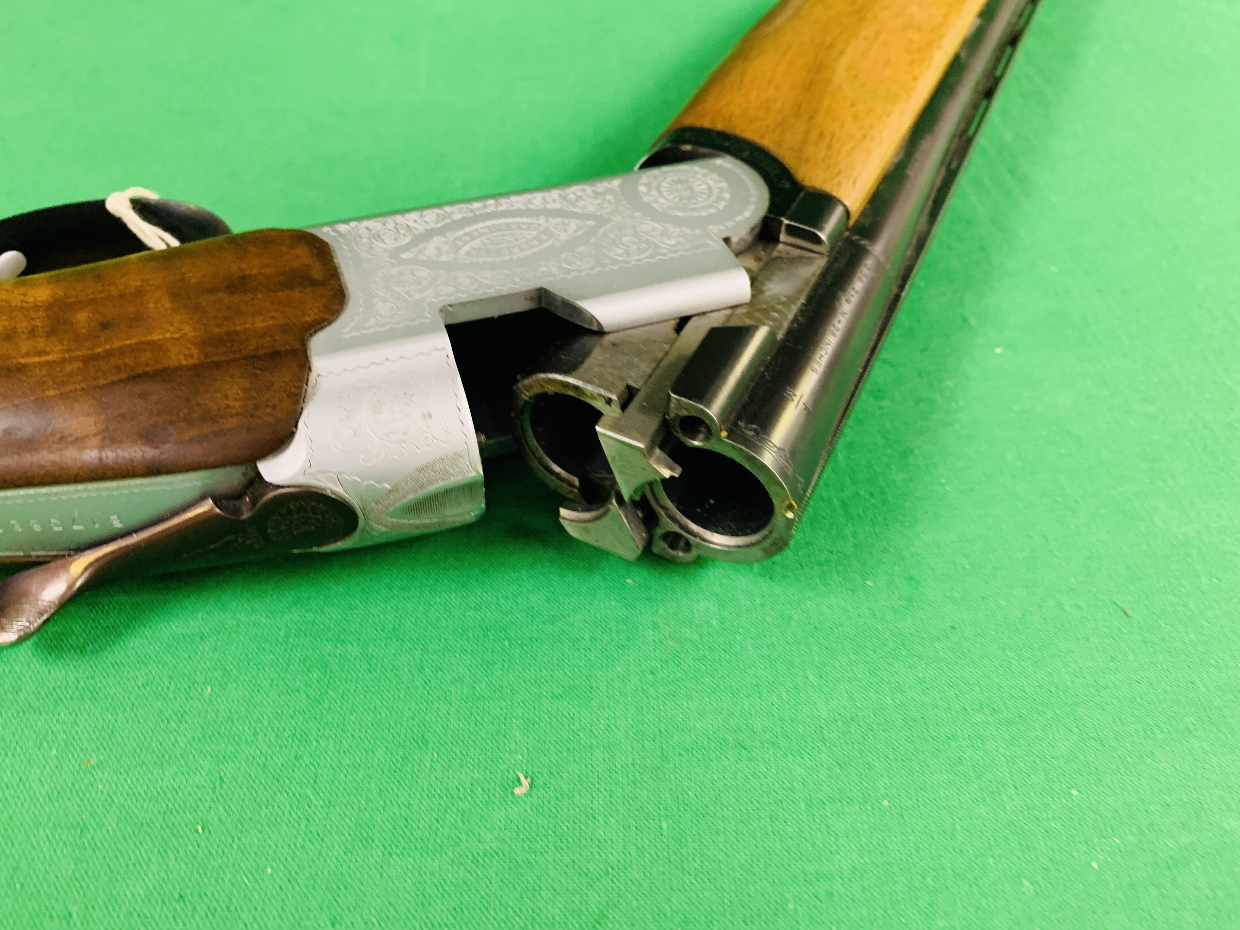 12 BORE BERETTA OVER AND UNDER SHOTGUN # B17388B WITH GUN SLEEVE - (ALL GUNS TO BE INSPECTED AND - Image 8 of 9