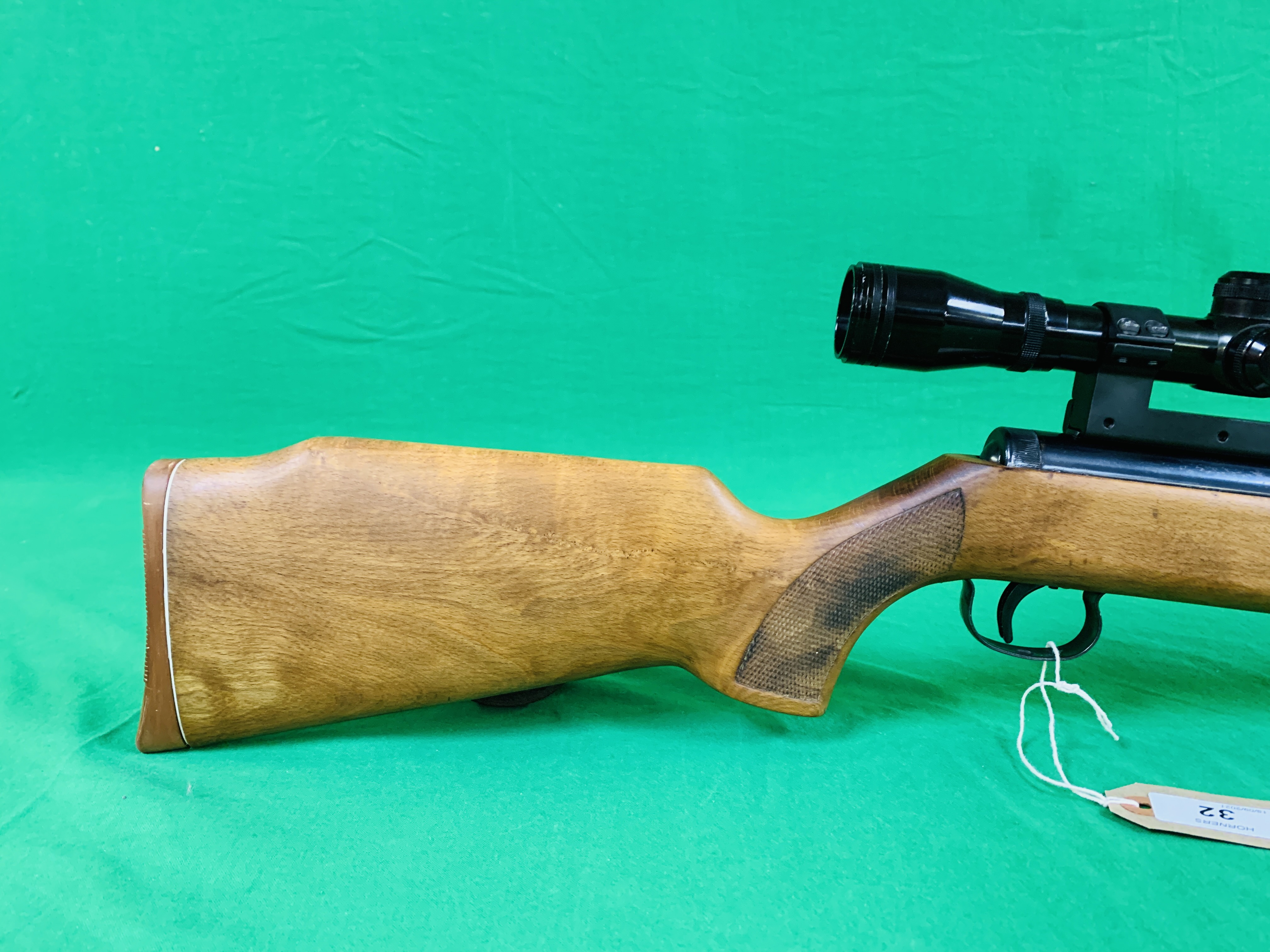 """AN """"ORIGINAL"""" MODEL 35 .22 BREAK BARREL AIR RIFLE FITTED WITH SIMMONS 4. - Image 2 of 10"""