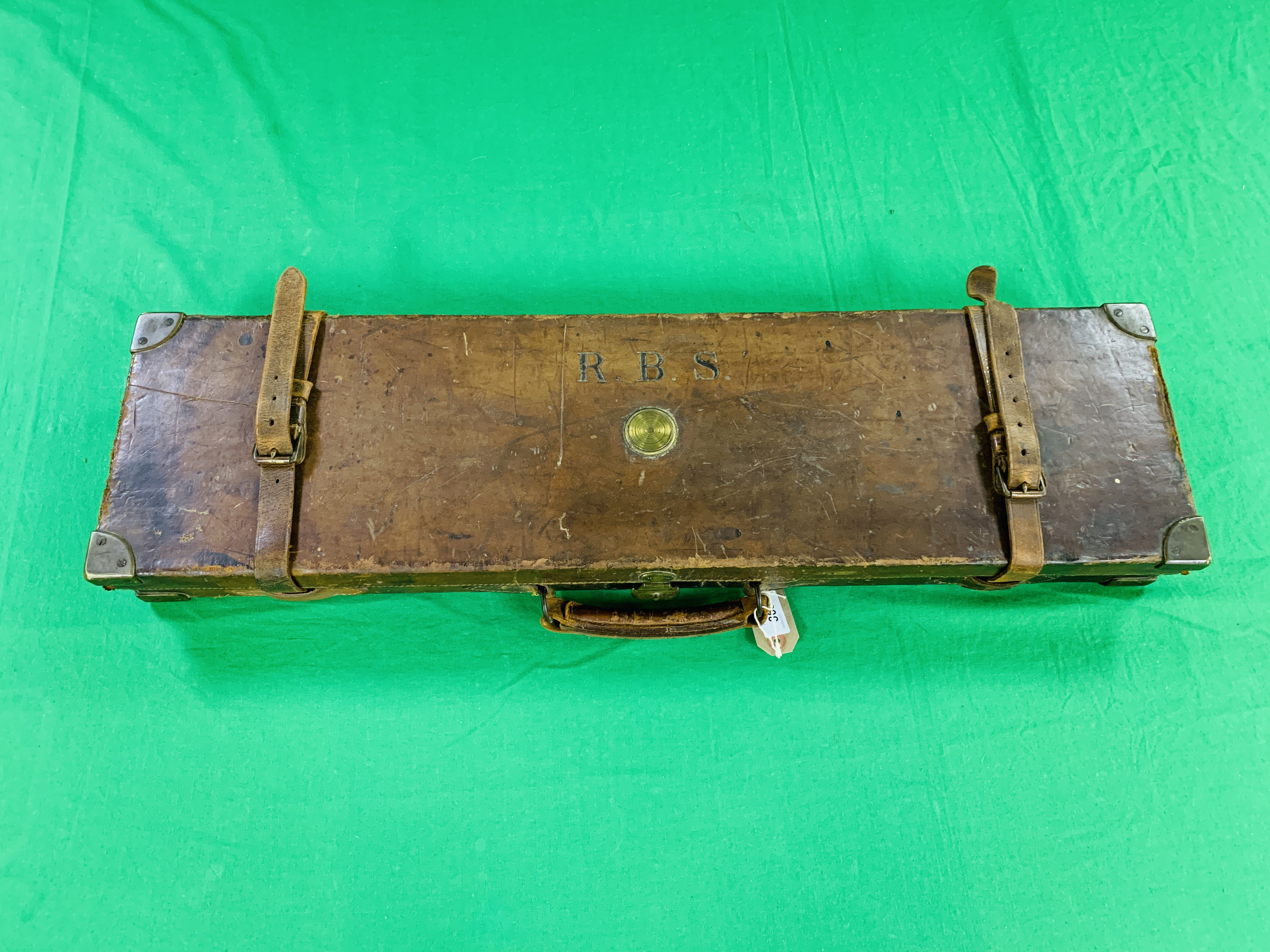 """OAK AND LEATHER 28 / 30"""" SIDE BY SIDE GUN CASE WITH B. HALLIDAY AND CO. LTD OF LONDON CASE LABEL. - Image 10 of 10"""