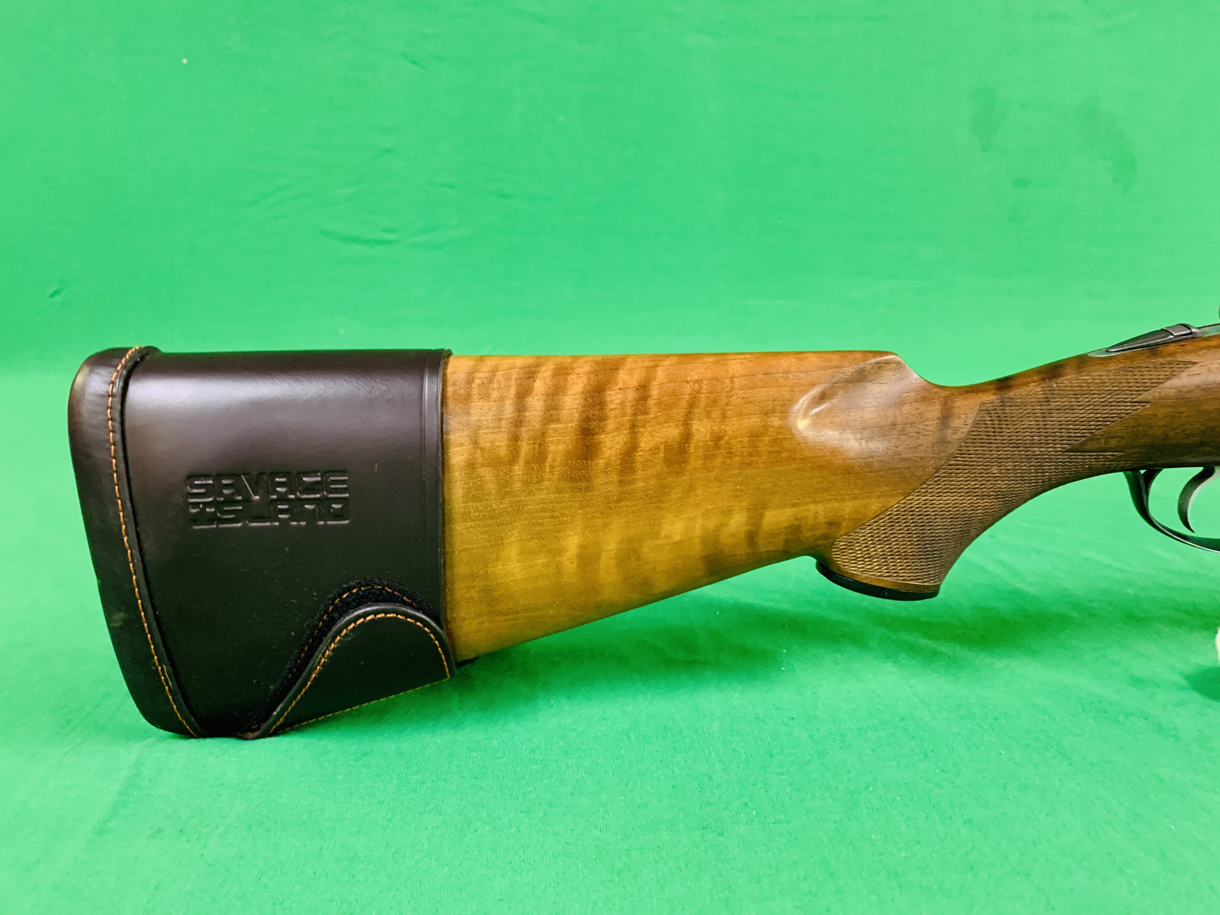 12 BORE BERETTA OVER AND UNDER SHOTGUN # B17388B WITH GUN SLEEVE - (ALL GUNS TO BE INSPECTED AND - Image 3 of 9