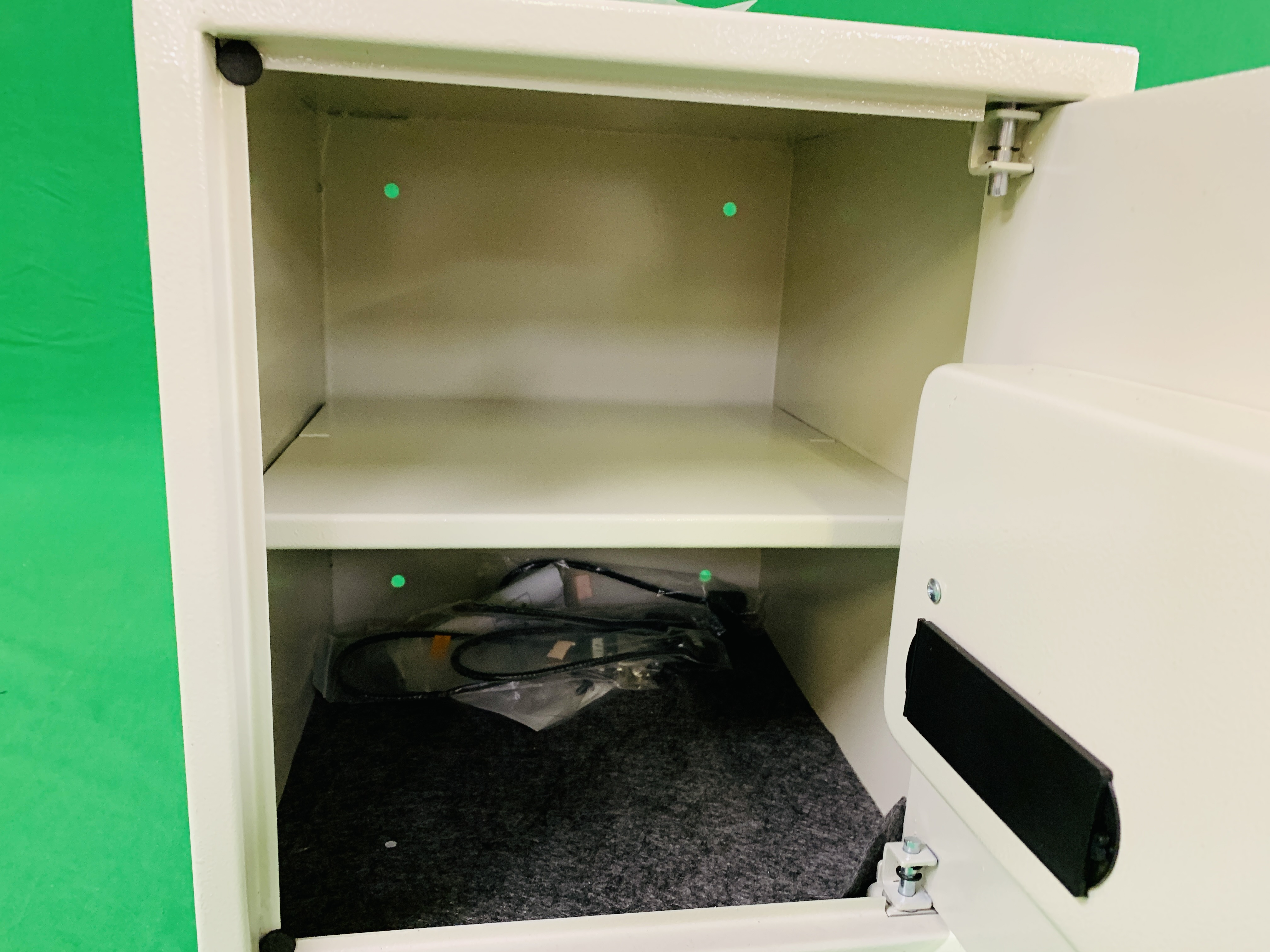 DIRTY PRO SAFE CE ELECTRIC COMBINATION SAFE COMPLETE WITH INSTRUCTIONS ALONG WITH FOUR AS NEW AMTA - Image 4 of 8