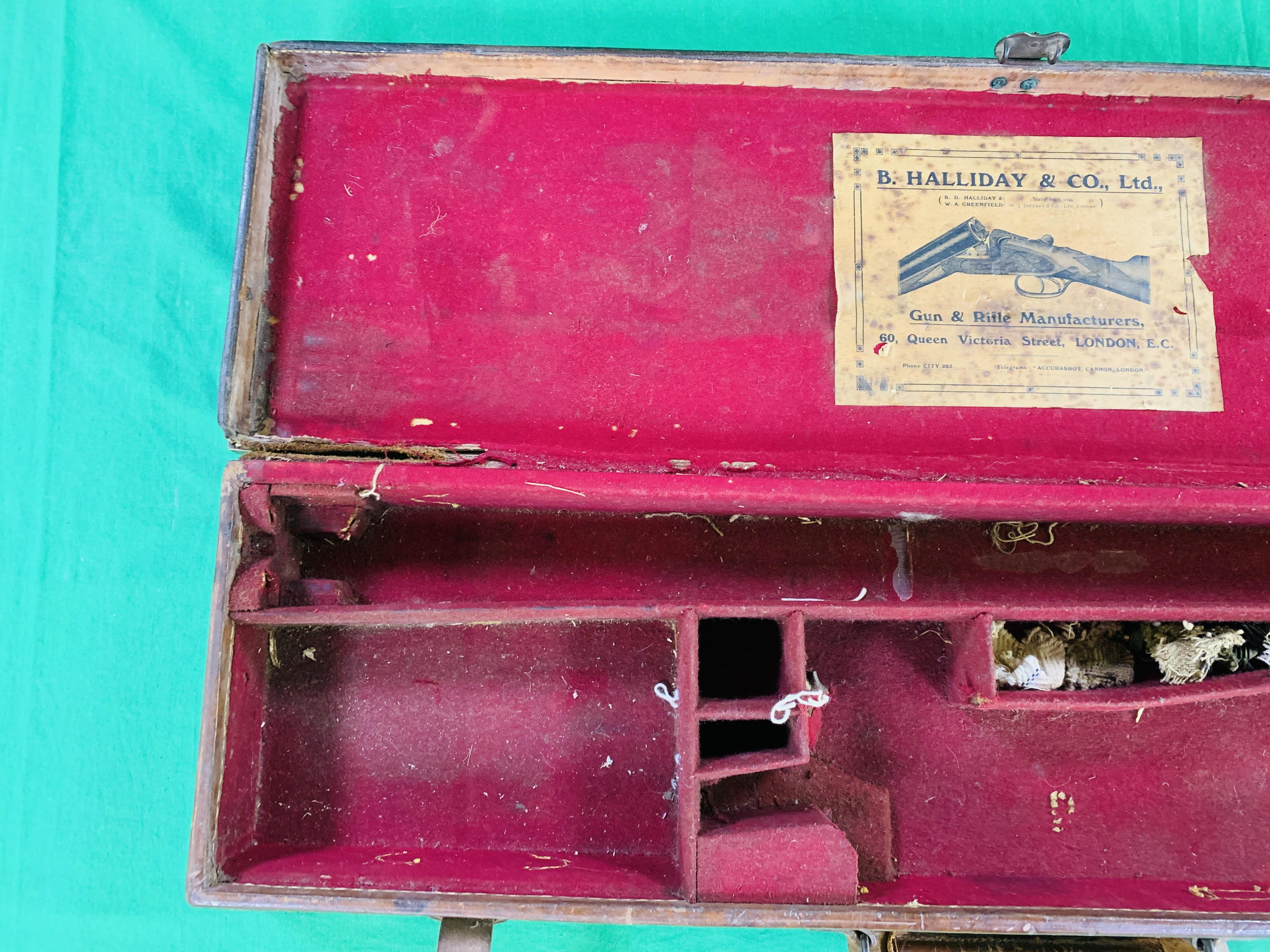 """OAK AND LEATHER 28 / 30"""" SIDE BY SIDE GUN CASE WITH B. HALLIDAY AND CO. LTD OF LONDON CASE LABEL. - Image 3 of 10"""