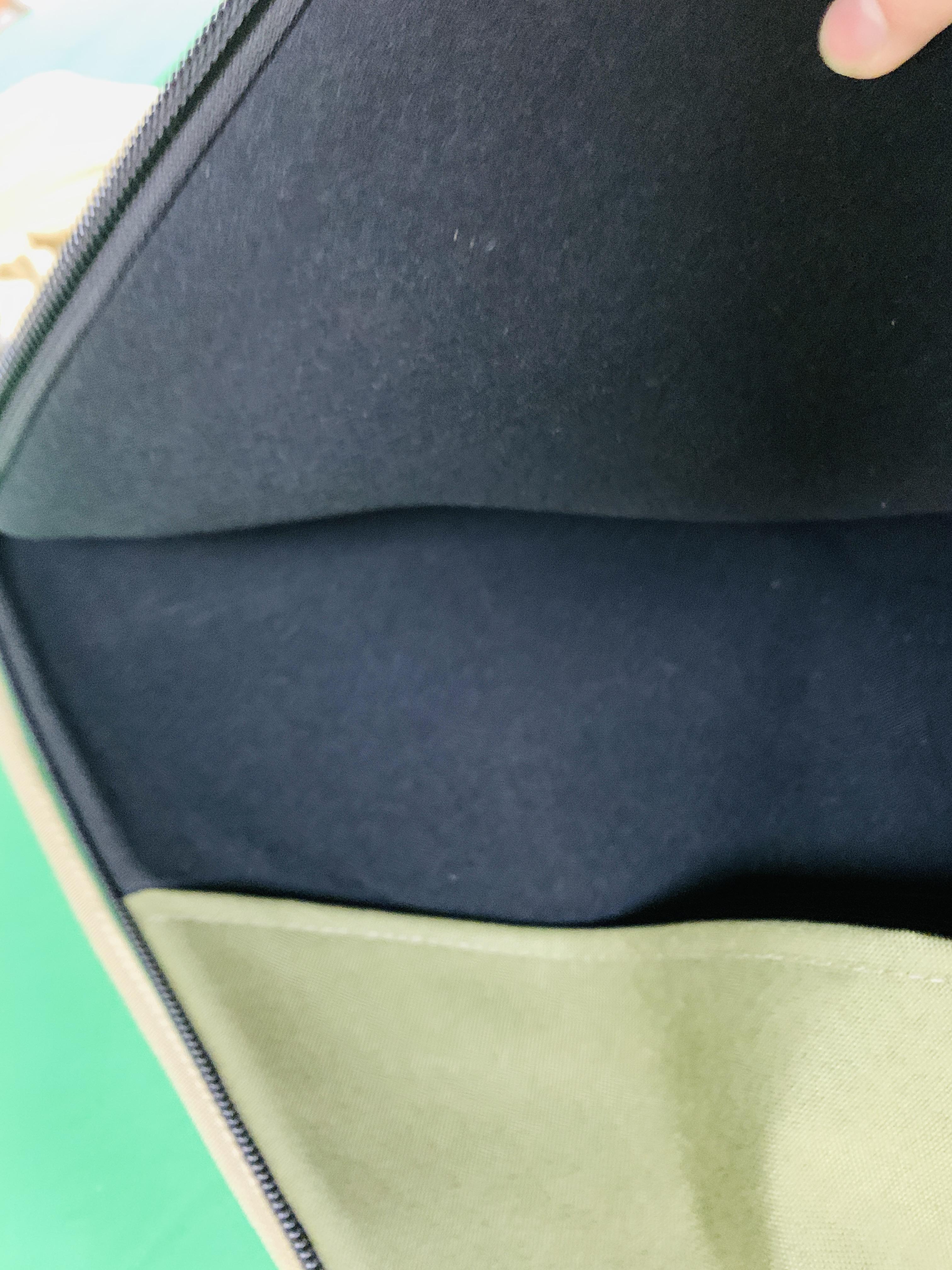A OGDEN QUICKSLIP RIFLE SLIP WITH INTERNAL POCKETS 1. - Image 6 of 7