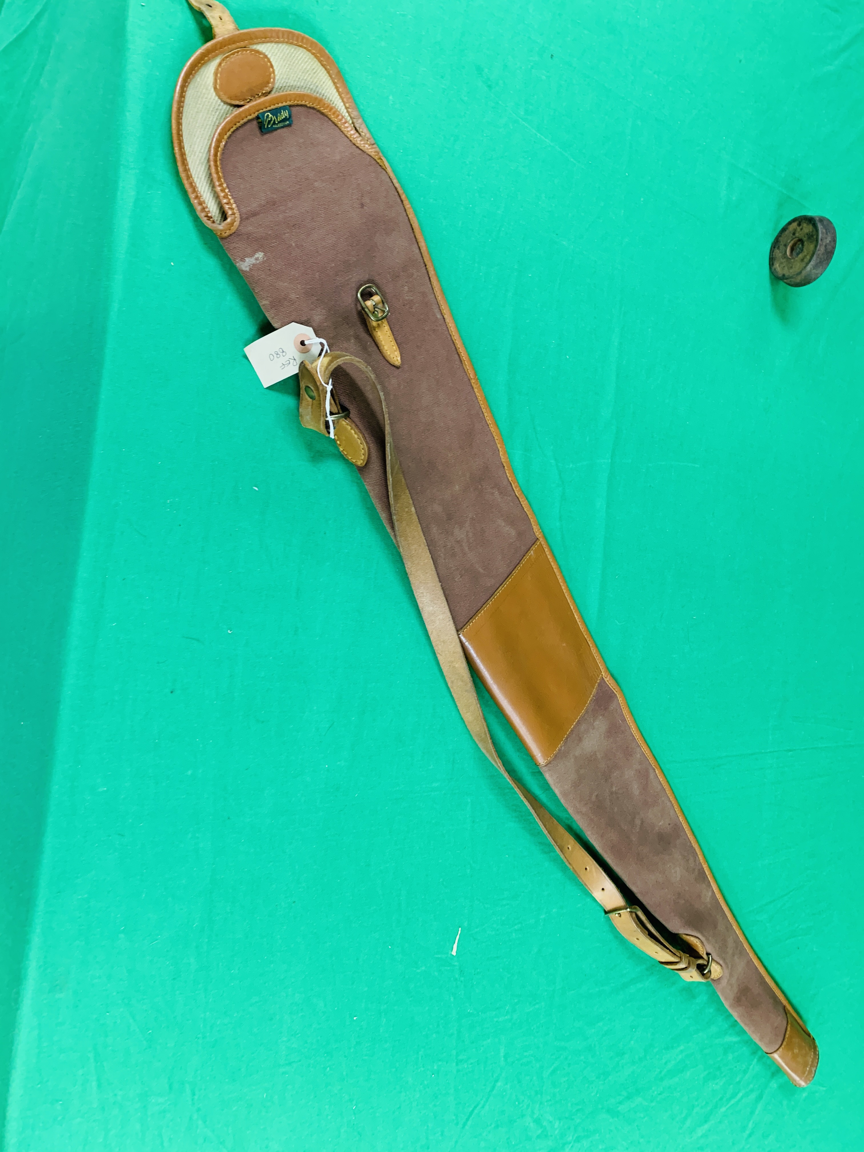 12 BORE BERETTA OVER AND UNDER SHOTGUN # B17388B WITH GUN SLEEVE - (ALL GUNS TO BE INSPECTED AND - Image 9 of 9