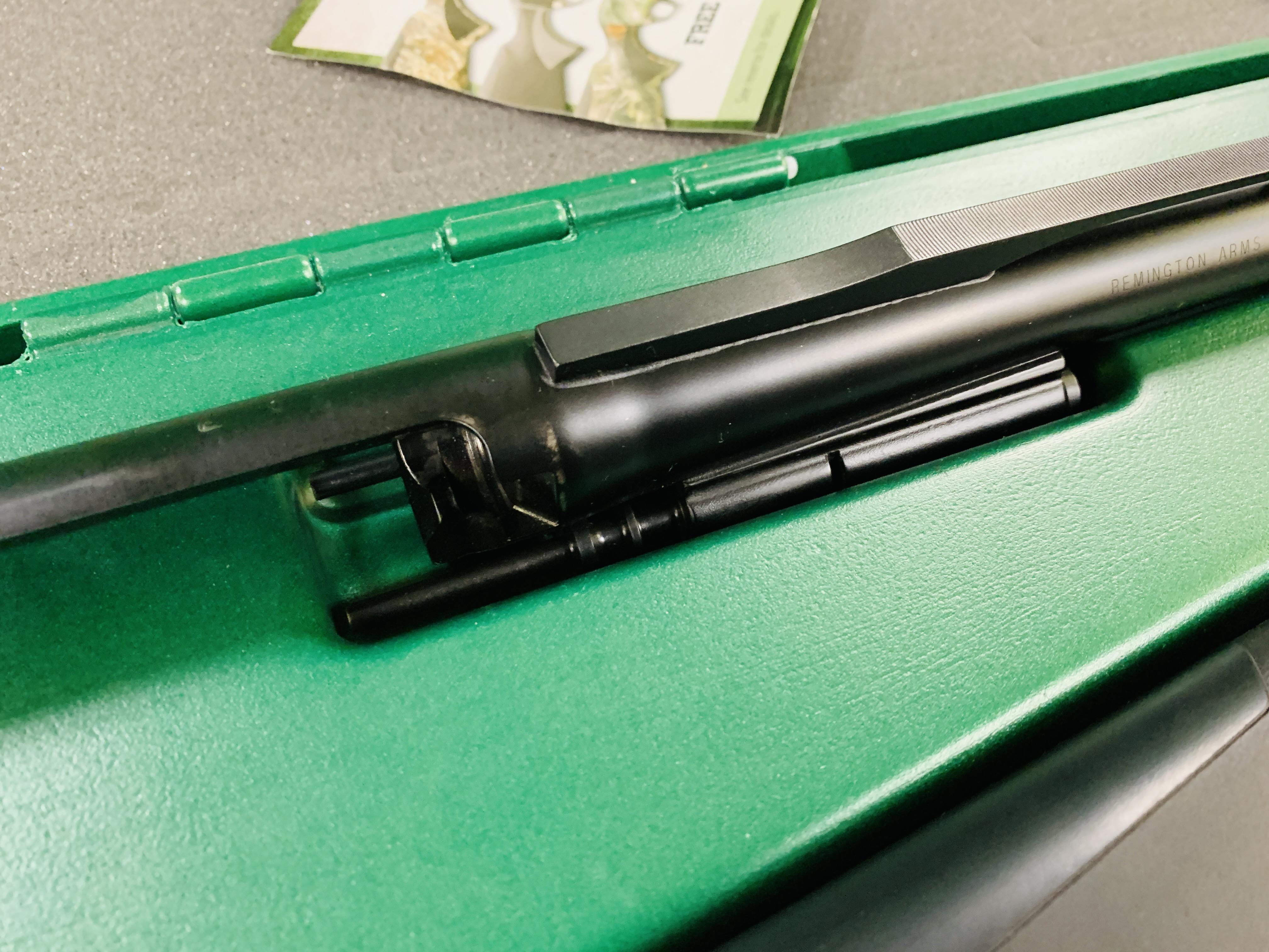 REMINGTON VERSA MAX 12 GAUGE SEMI-AUTO SHOTGUN 2¾ - 3½ CHOKE, - Image 8 of 13