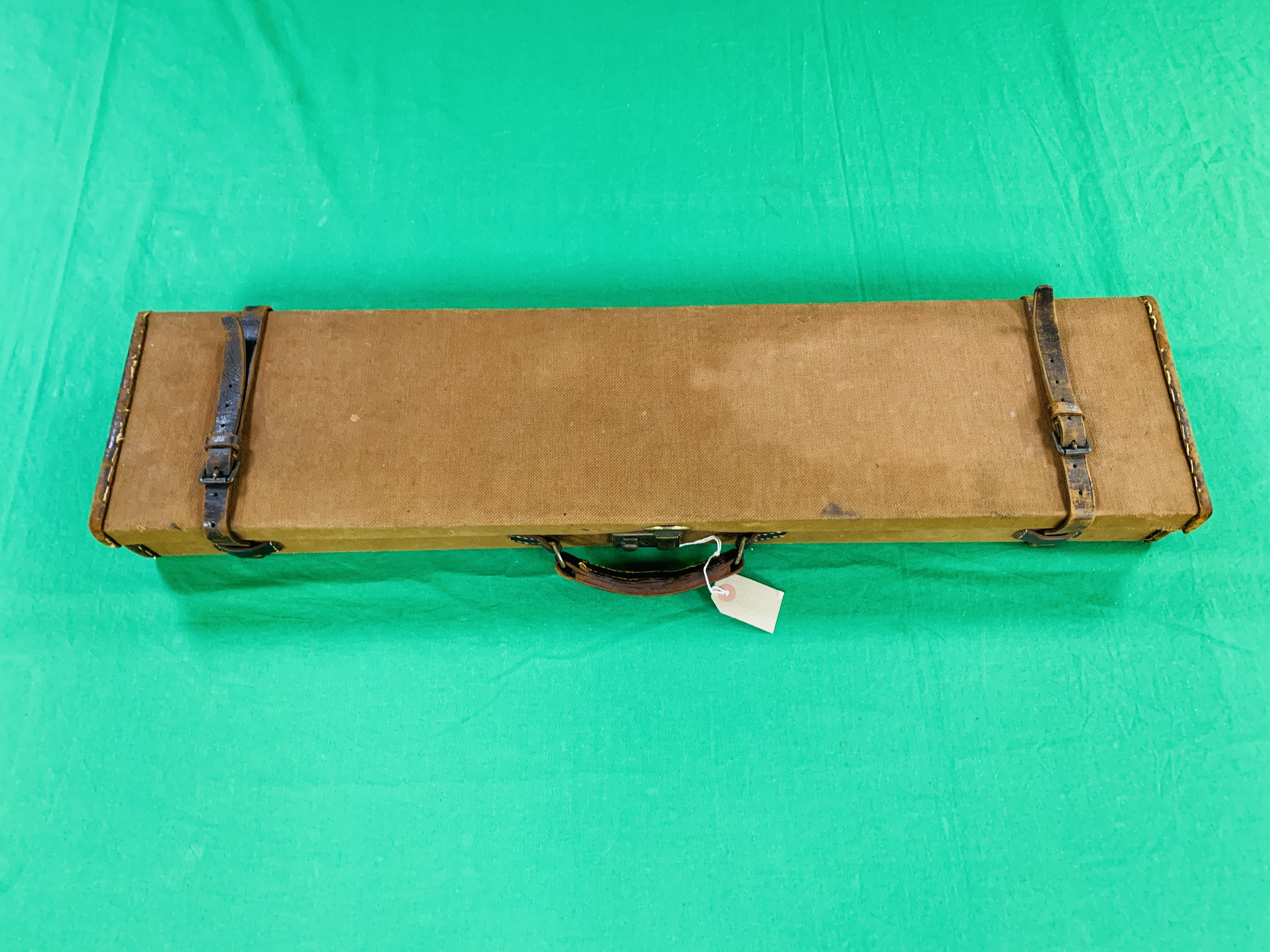 """BROWN CANVAS AND LEATHER 28 / 30"""" SIDE BY SIDE GUN CASE WITH GALLYON AND SONS LTD CASE LABEL - Image 10 of 10"""