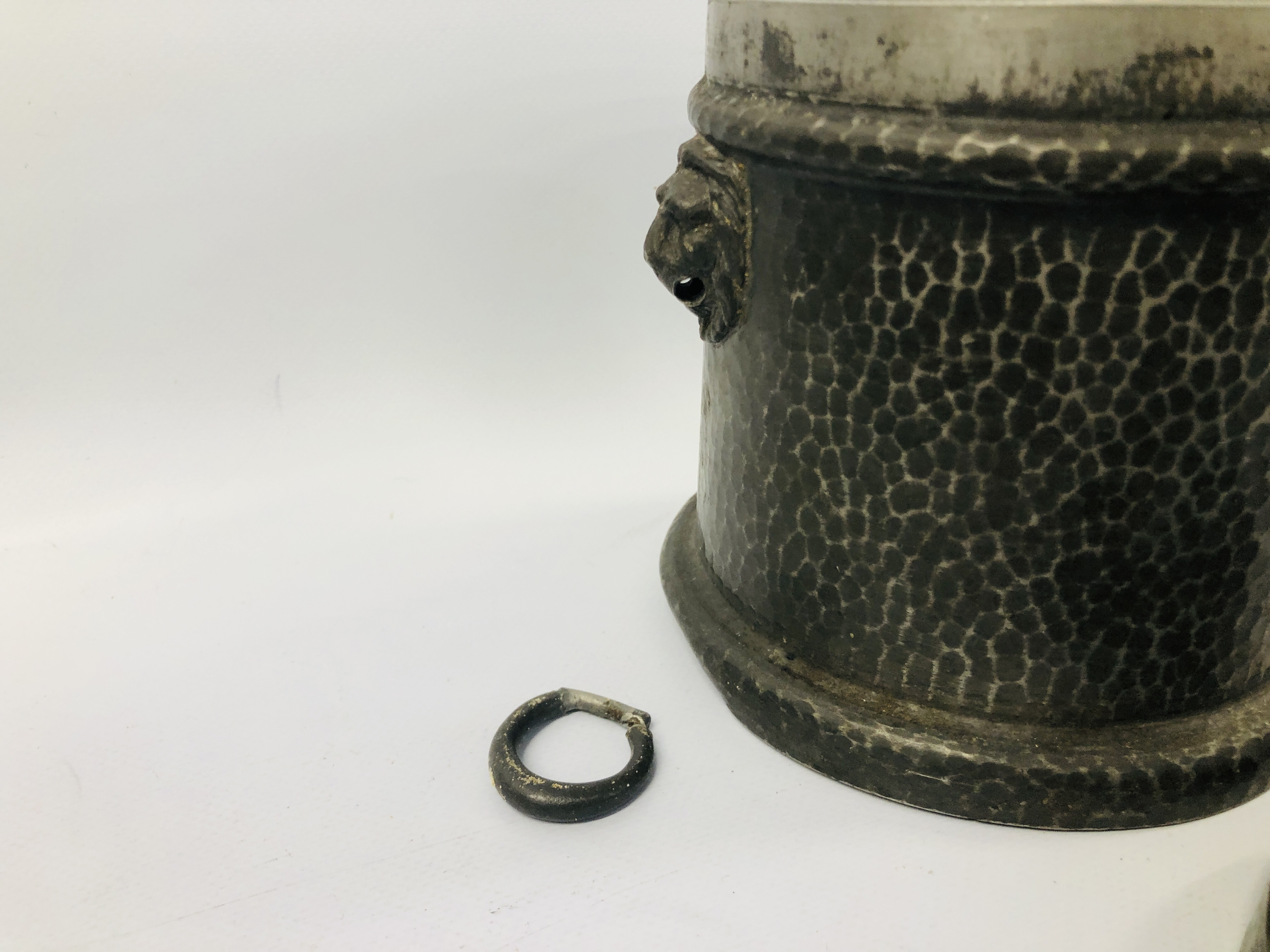 BOX OF ASSORTED COLLECTABLE'S TO INCLUDE VINTAGE WATERING BRASS CAN, SLIDE VIEW, - Image 3 of 25