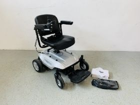 A MOBILITY PLUS QUICK-SPLIT POWER WHEELCHAIR COMPLETE WITH INSTRUCTIONS,