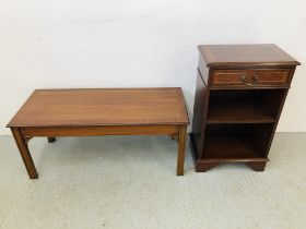 A REPRODUCTION MAHOGANY FINISH COFFEE TABLE AND A ONE DRAWER OVER SHELF BOOK CASE ( DRAWER 49CM.