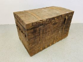 A LARGE ANTIQUE OAK METAL BOUND SILVERSMITHS CHEST WITH DOMED LID A/F CONDITION W 108CM. D 65CM.