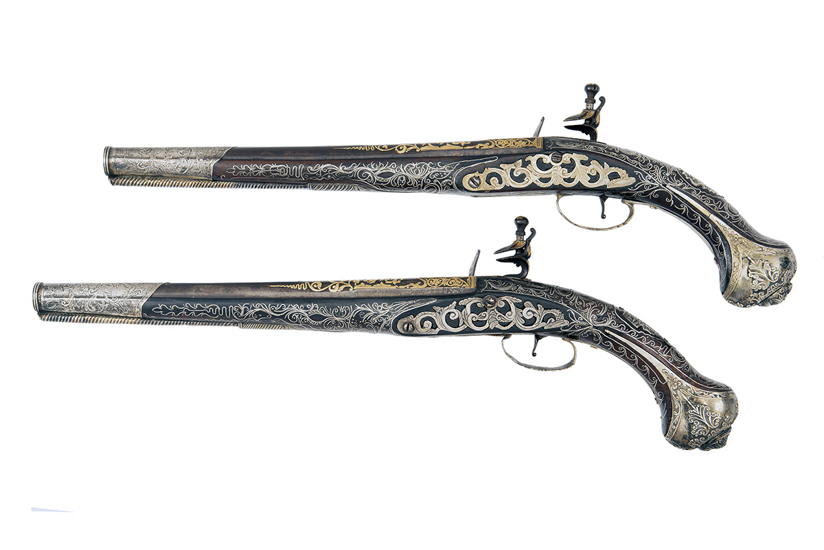 A GOOD PAIR OF 20-BORE FLINTLOCK OTTOMAN HOLSTER-PISTOLS WITH GILT DECORATION, UNSIGNED, no - Image 2 of 10