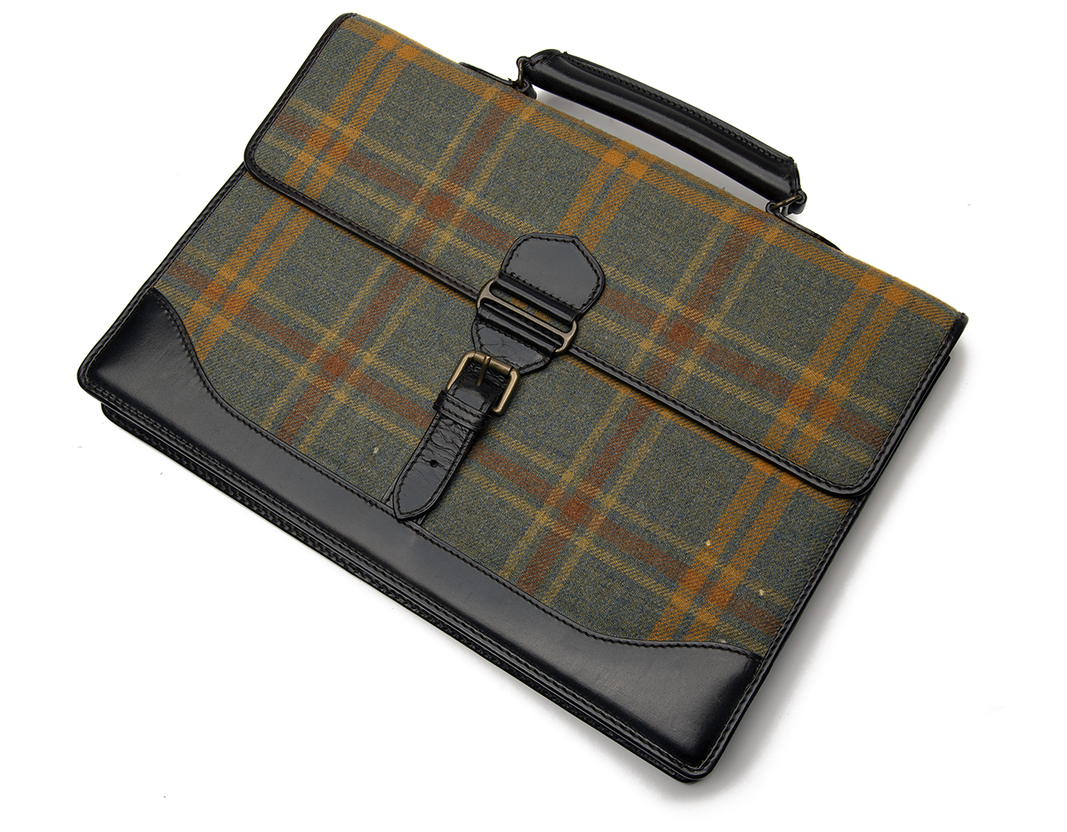 HOLLAND & HOLLAND AN UNUSED TARTAN AND LEATHER SUEDE-LINED BRIEFCASE, with leather carry handle