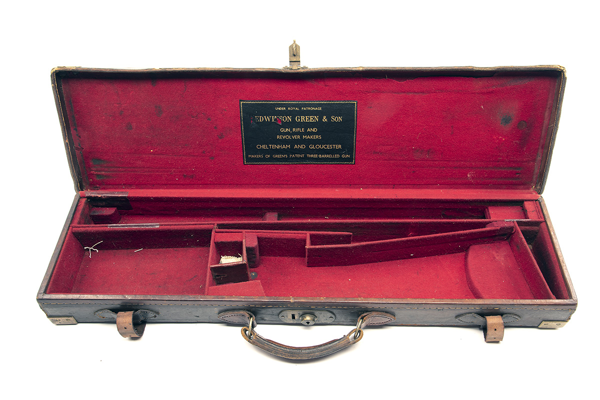 A BRASS-CORNERED LEATHER SINGLE HAMMERGUN CASE, fitted for 30in. barrels, the interior lined with